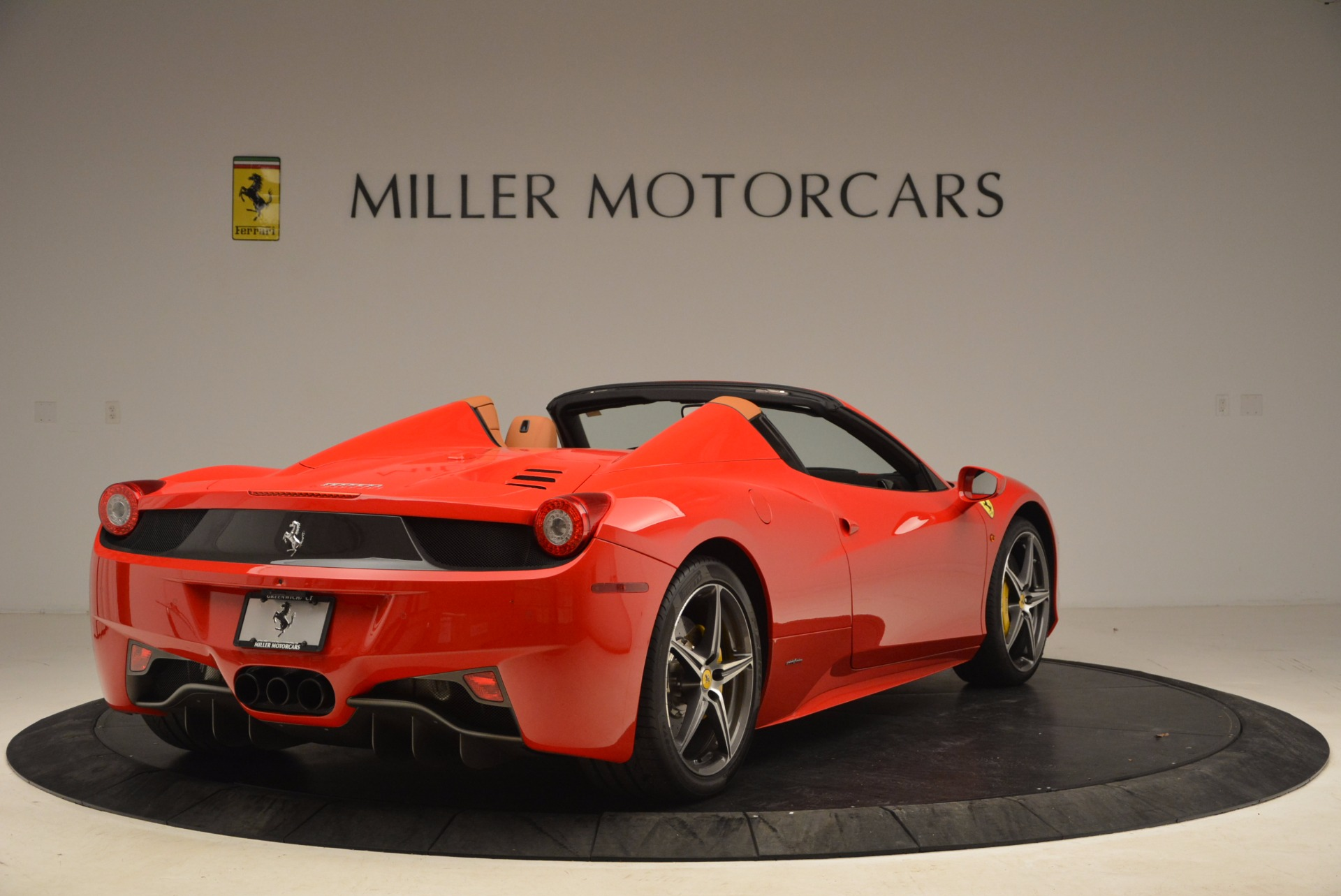 Used 2013 Ferrari 458 Spider  For Sale In Greenwich, CT 1784_p7