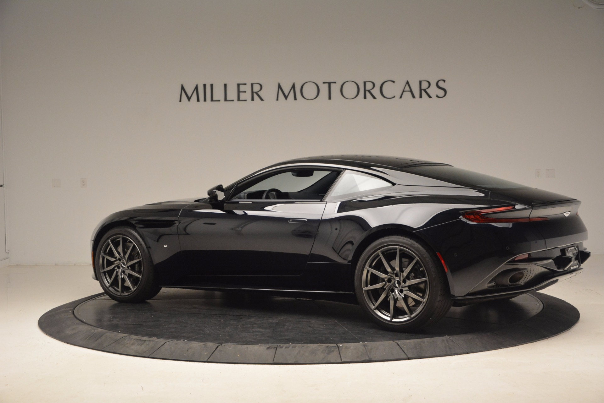 Used 2017 Aston Martin DB11  For Sale In Greenwich, CT 1786_p4