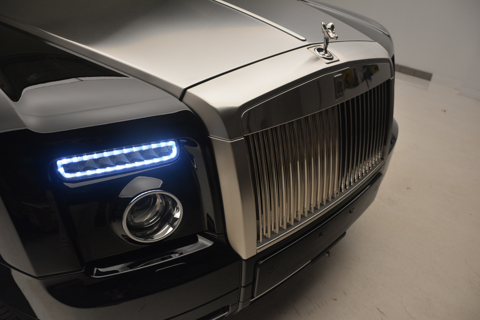 Used 2009 Rolls-Royce Phantom Drophead Coupe  For Sale In Greenwich, CT 1792_p26