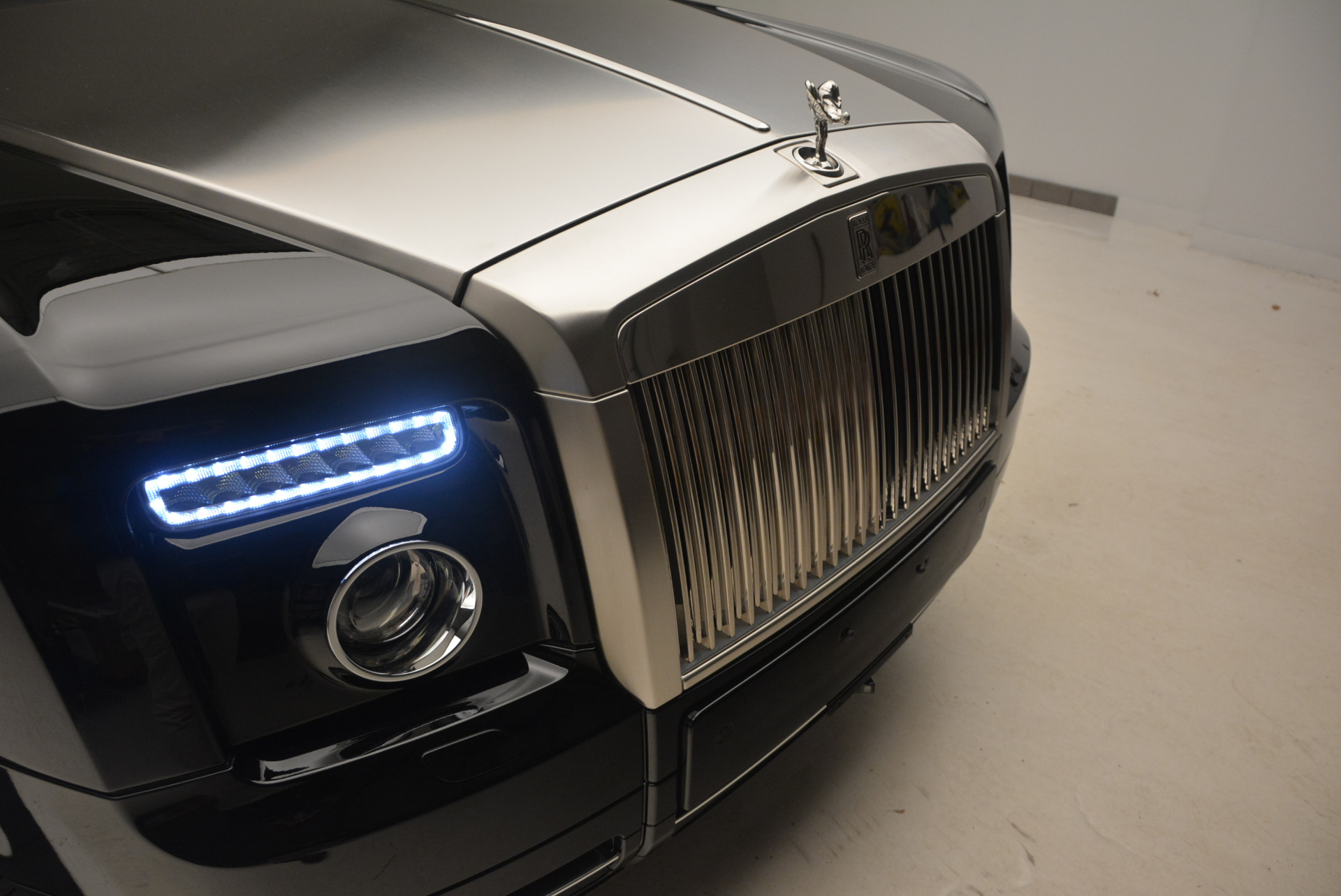 Used 2009 Rolls-Royce Phantom Drophead Coupe  For Sale In Greenwich, CT 1792_p27