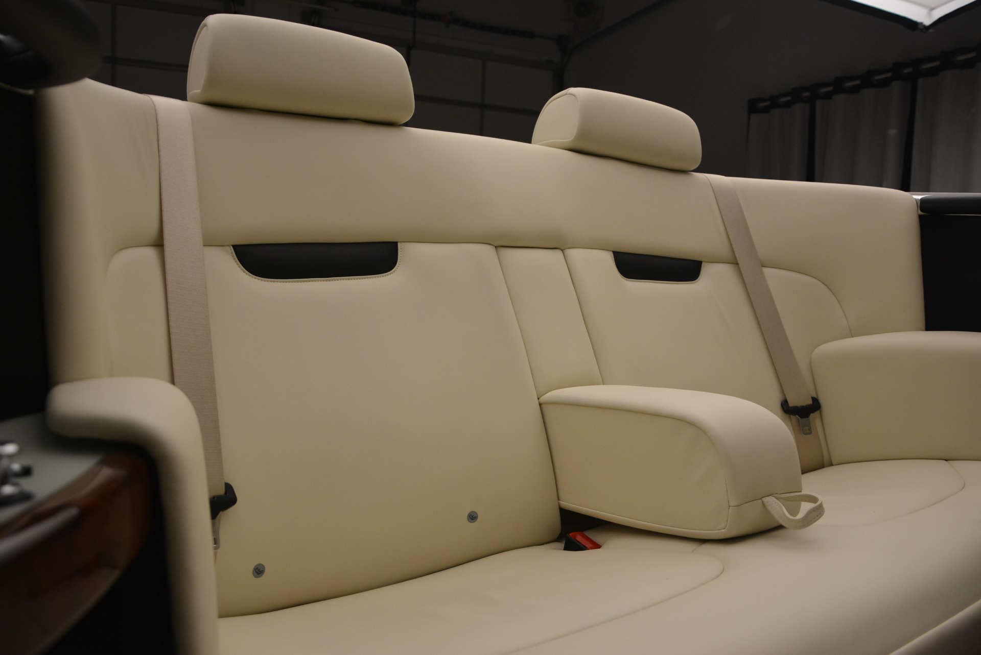 Used 2009 Rolls-Royce Phantom Drophead Coupe  For Sale In Greenwich, CT 1792_p40