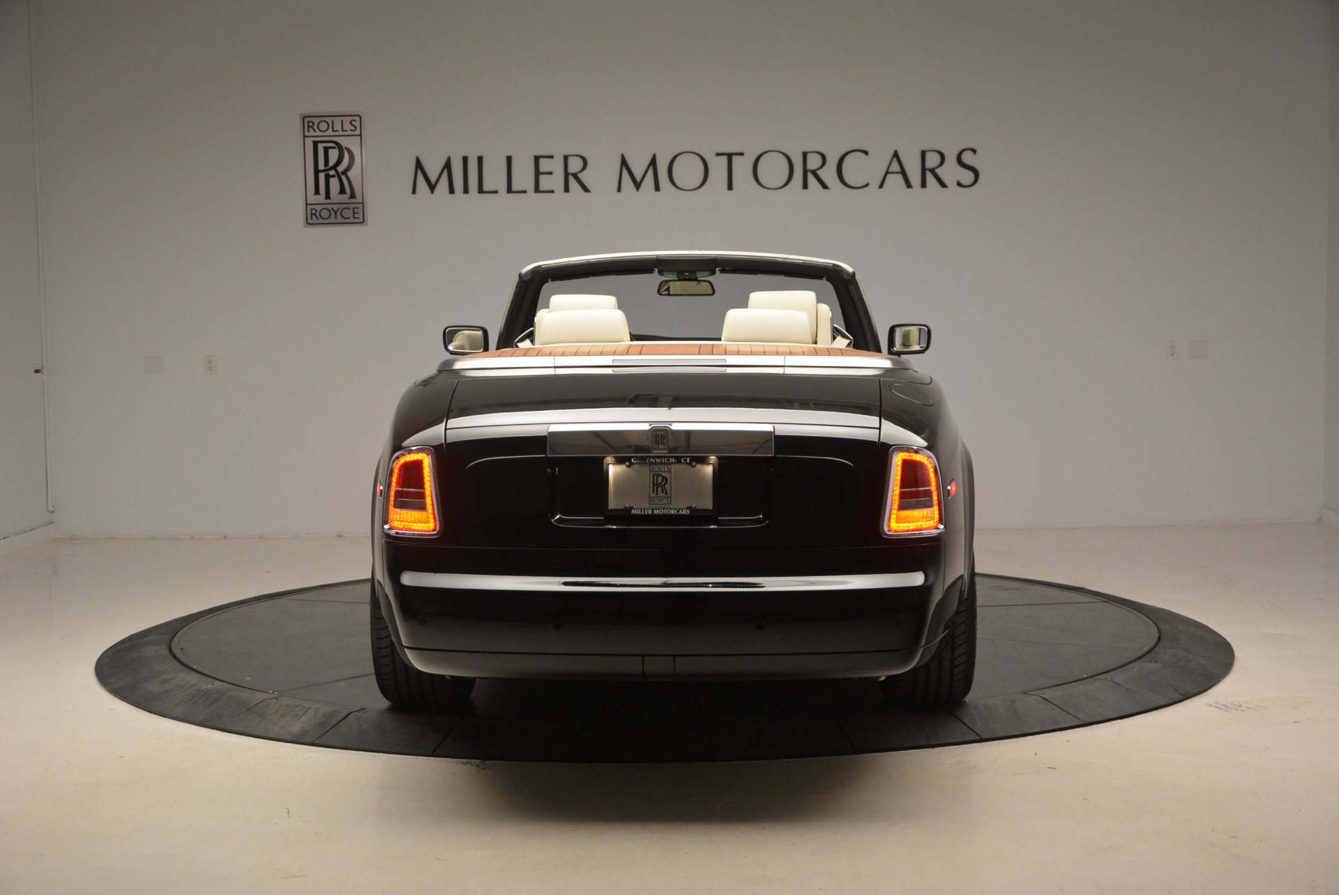 Used 2009 Rolls-Royce Phantom Drophead Coupe  For Sale In Greenwich, CT 1792_p6