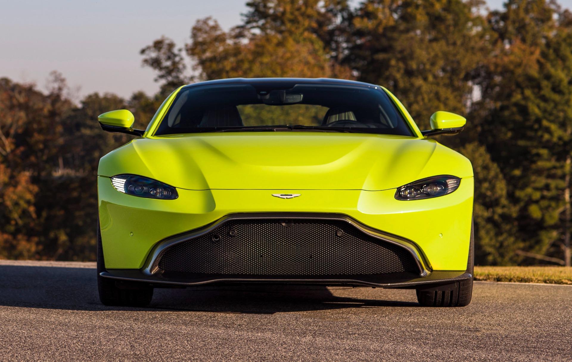 New 2019 Aston Martin Vantage  For Sale In Greenwich, CT 1803_main
