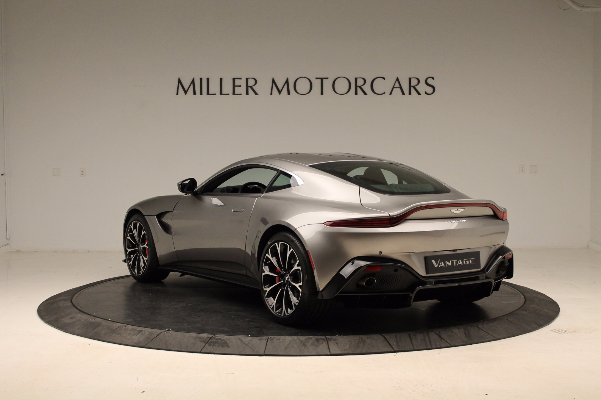 New 2019 Aston Martin Vantage  For Sale In Greenwich, CT 1803_p14