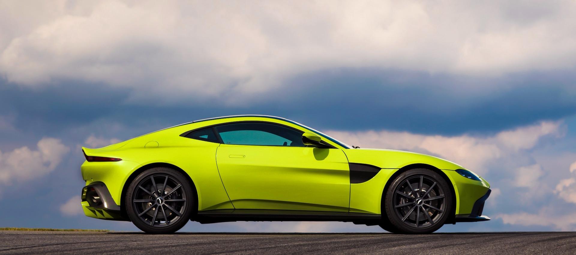New 2019 Aston Martin Vantage  For Sale In Greenwich, CT 1803_p2