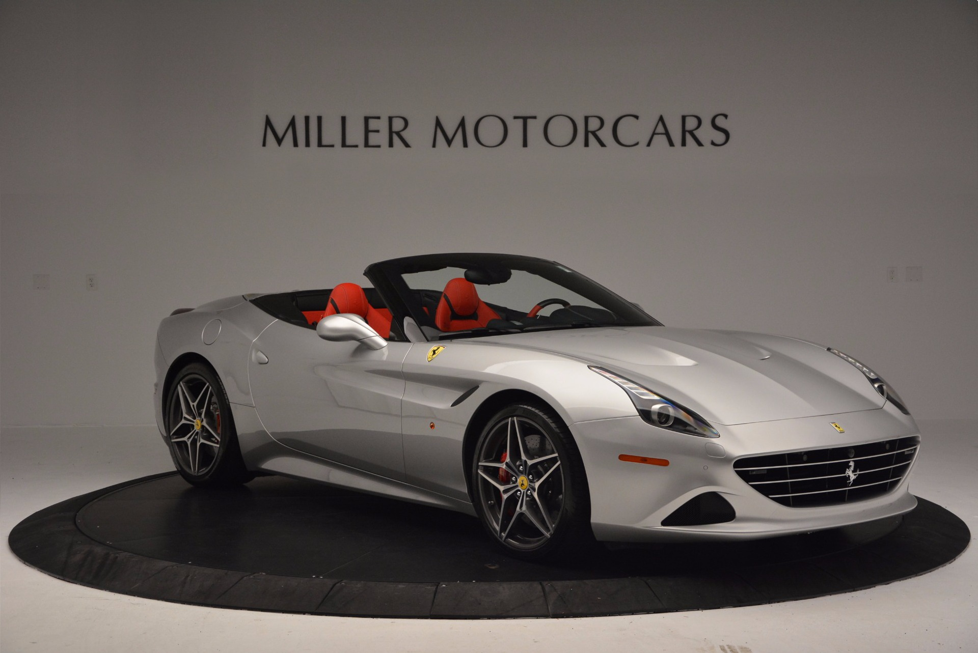 Used 2015 Ferrari California T  For Sale In Greenwich, CT 1808_p11