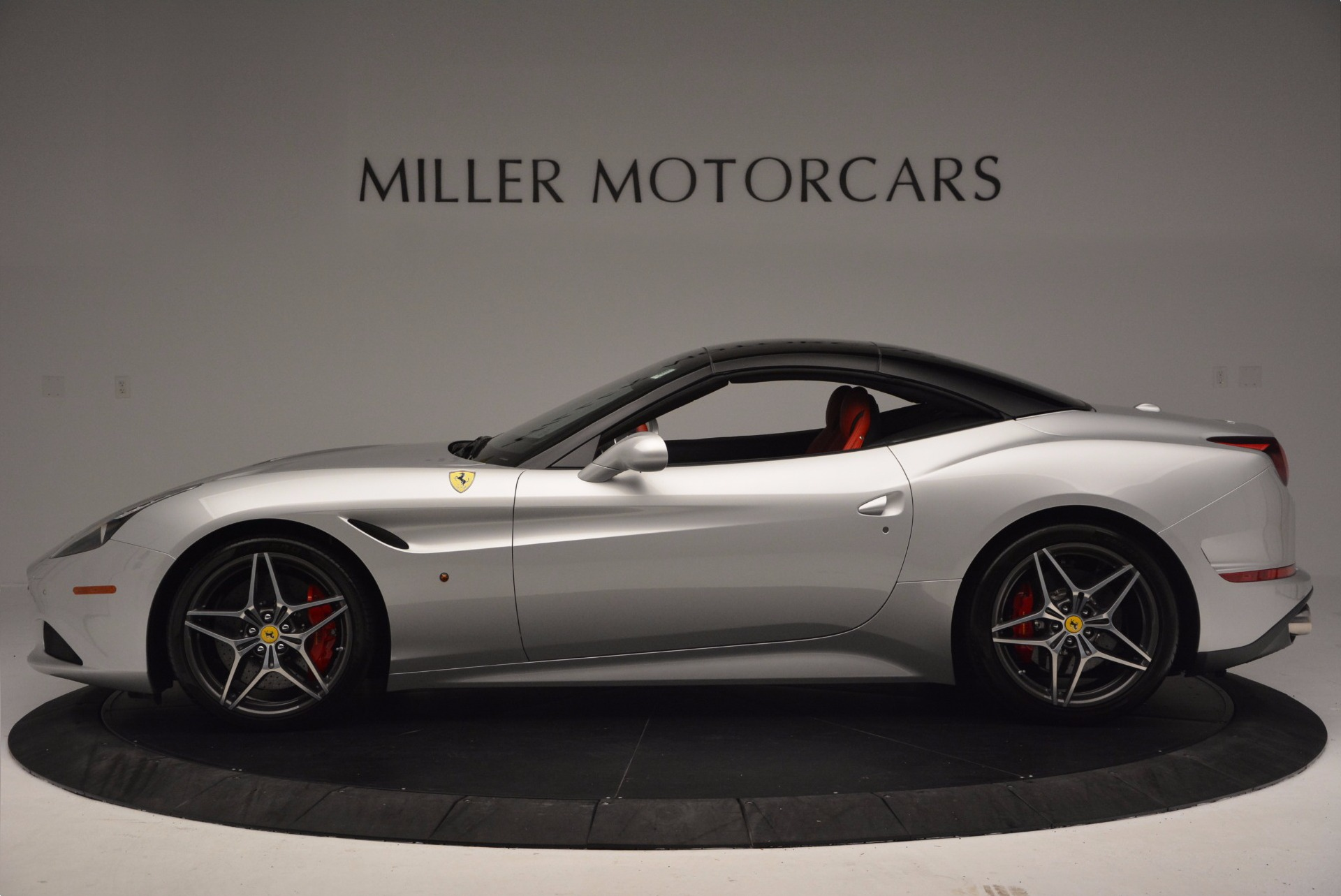 Used 2015 Ferrari California T  For Sale In Greenwich, CT 1808_p15