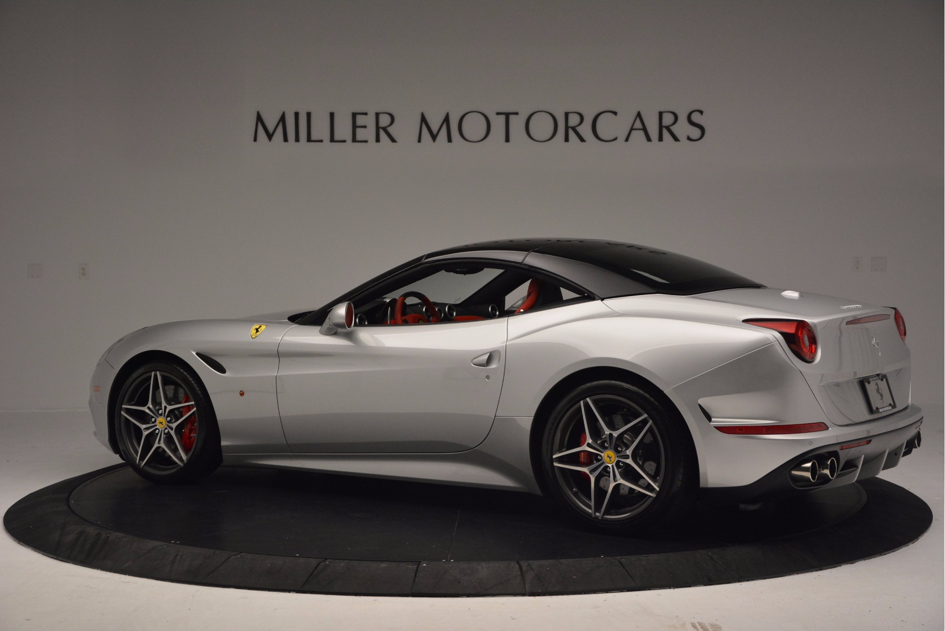 Used 2015 Ferrari California T  For Sale In Greenwich, CT 1808_p16