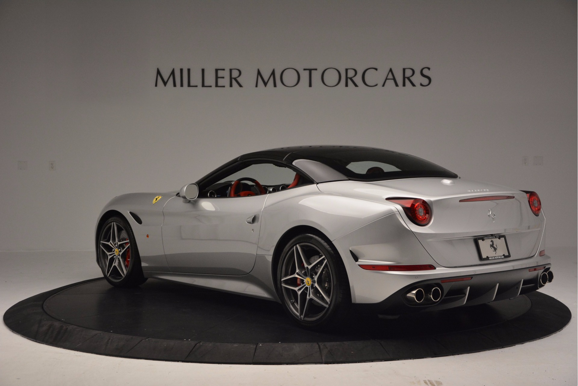 Used 2015 Ferrari California T  For Sale In Greenwich, CT 1808_p17