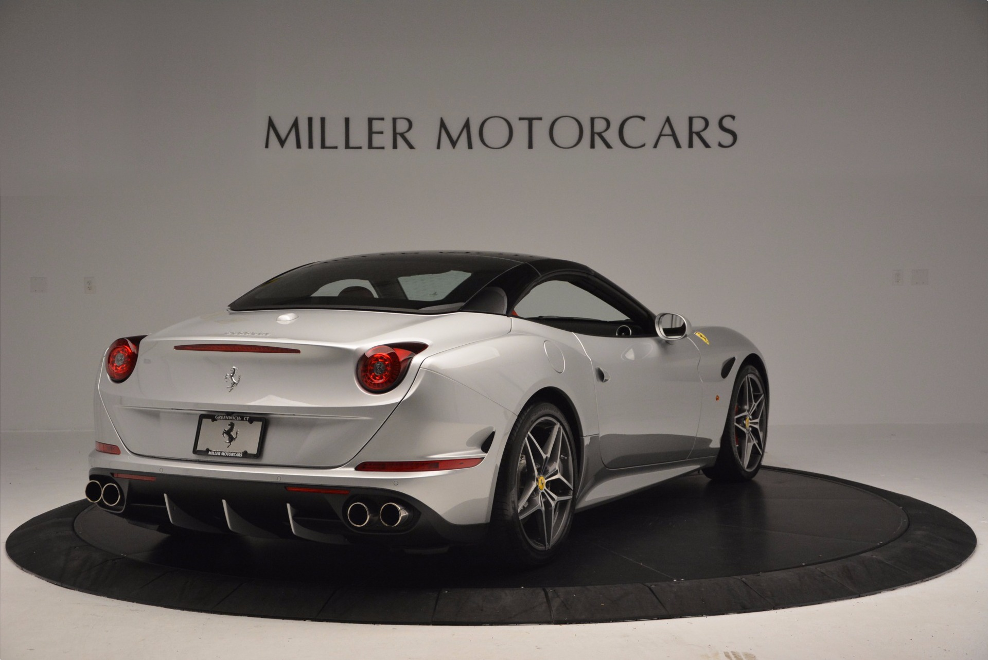 Used 2015 Ferrari California T  For Sale In Greenwich, CT 1808_p19