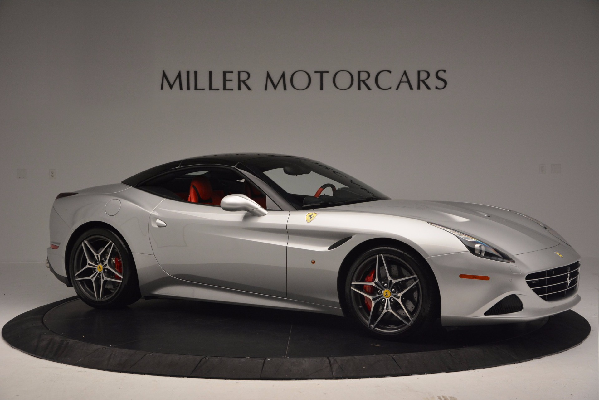 Used 2015 Ferrari California T  For Sale In Greenwich, CT 1808_p22