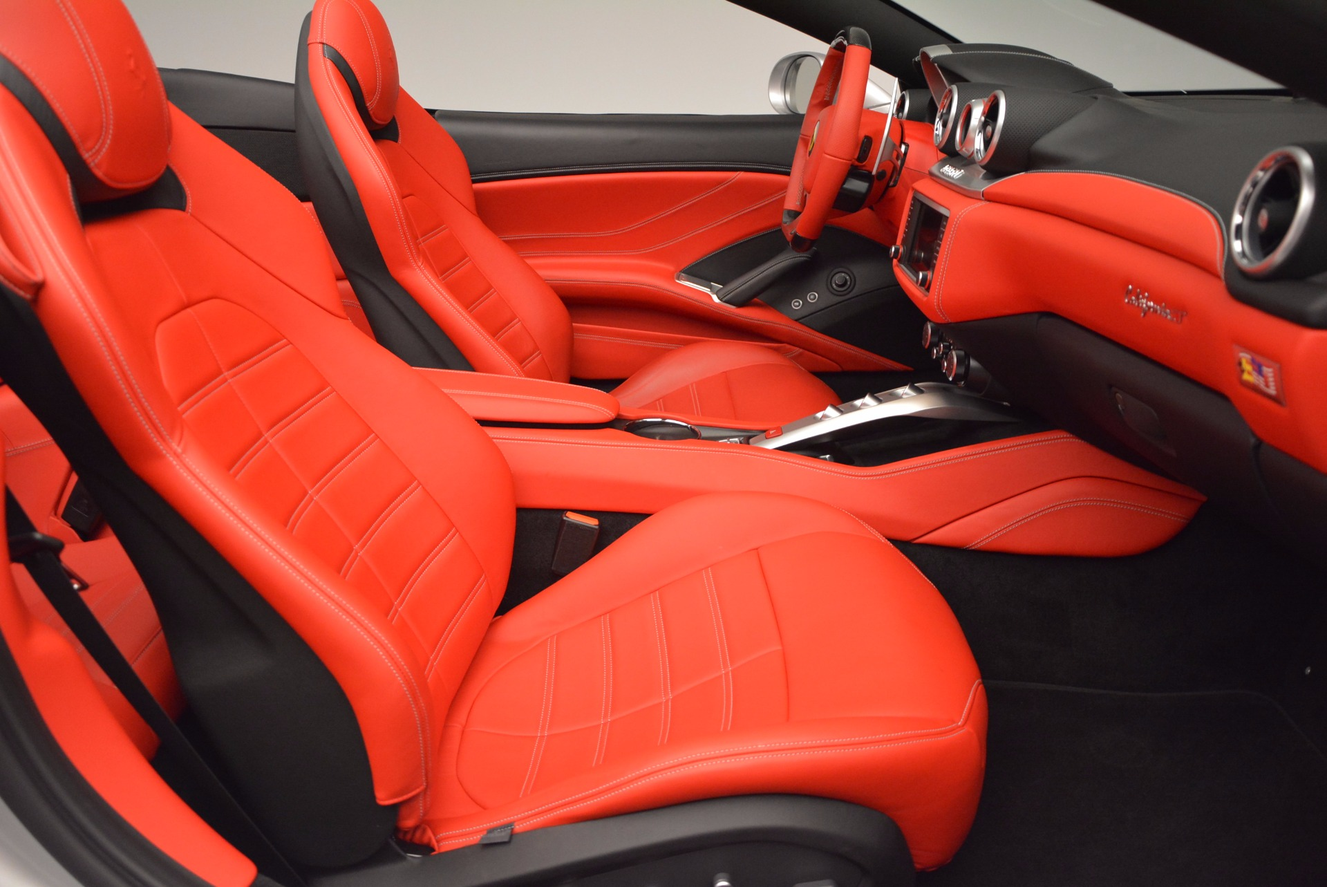Used 2015 Ferrari California T  For Sale In Greenwich, CT 1808_p31