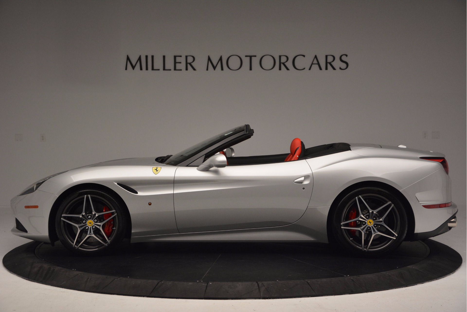 Used 2015 Ferrari California T  For Sale In Greenwich, CT 1808_p3