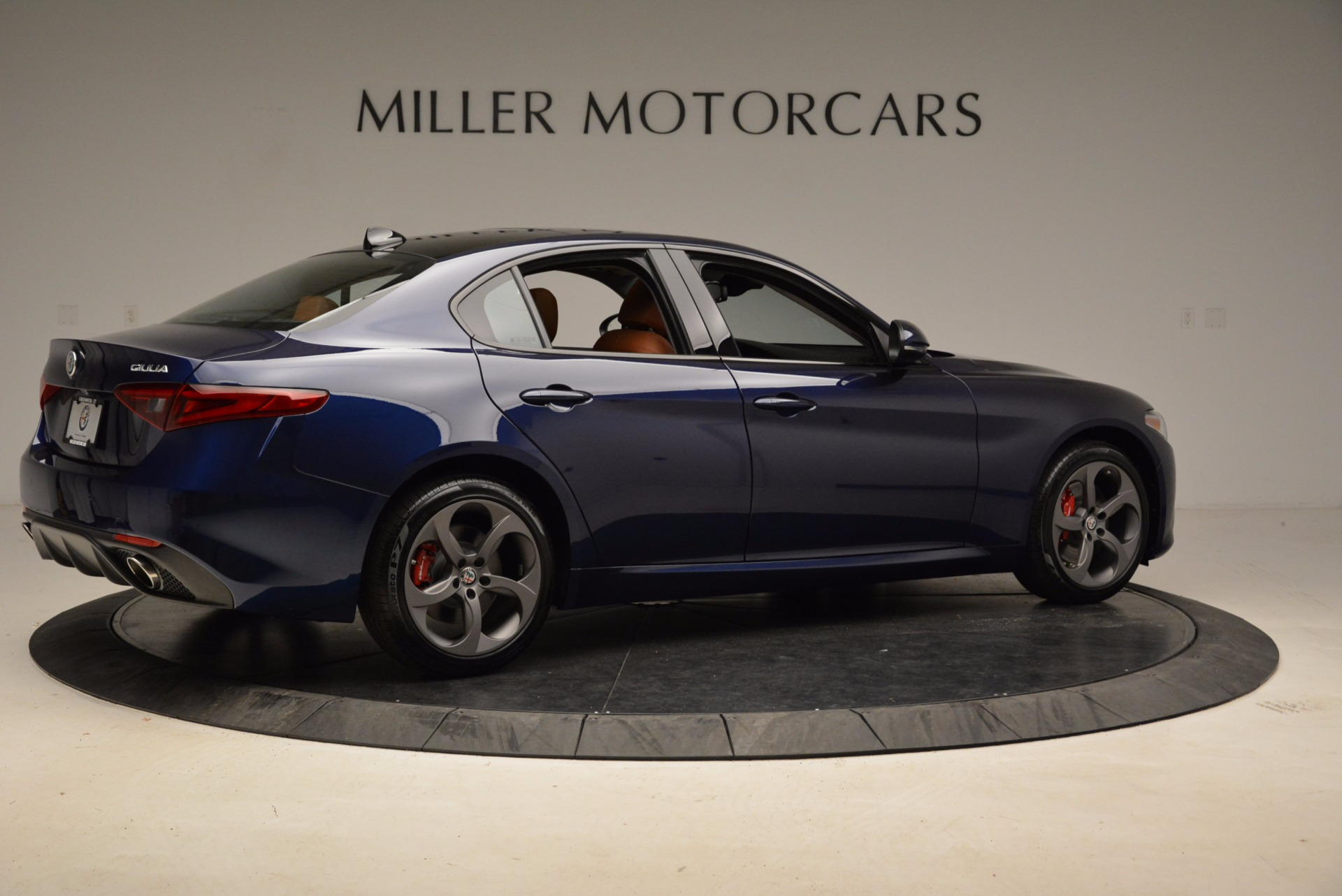 New 2018 Alfa Romeo Giulia Sport Q4 For Sale In Greenwich, CT 1822_p8