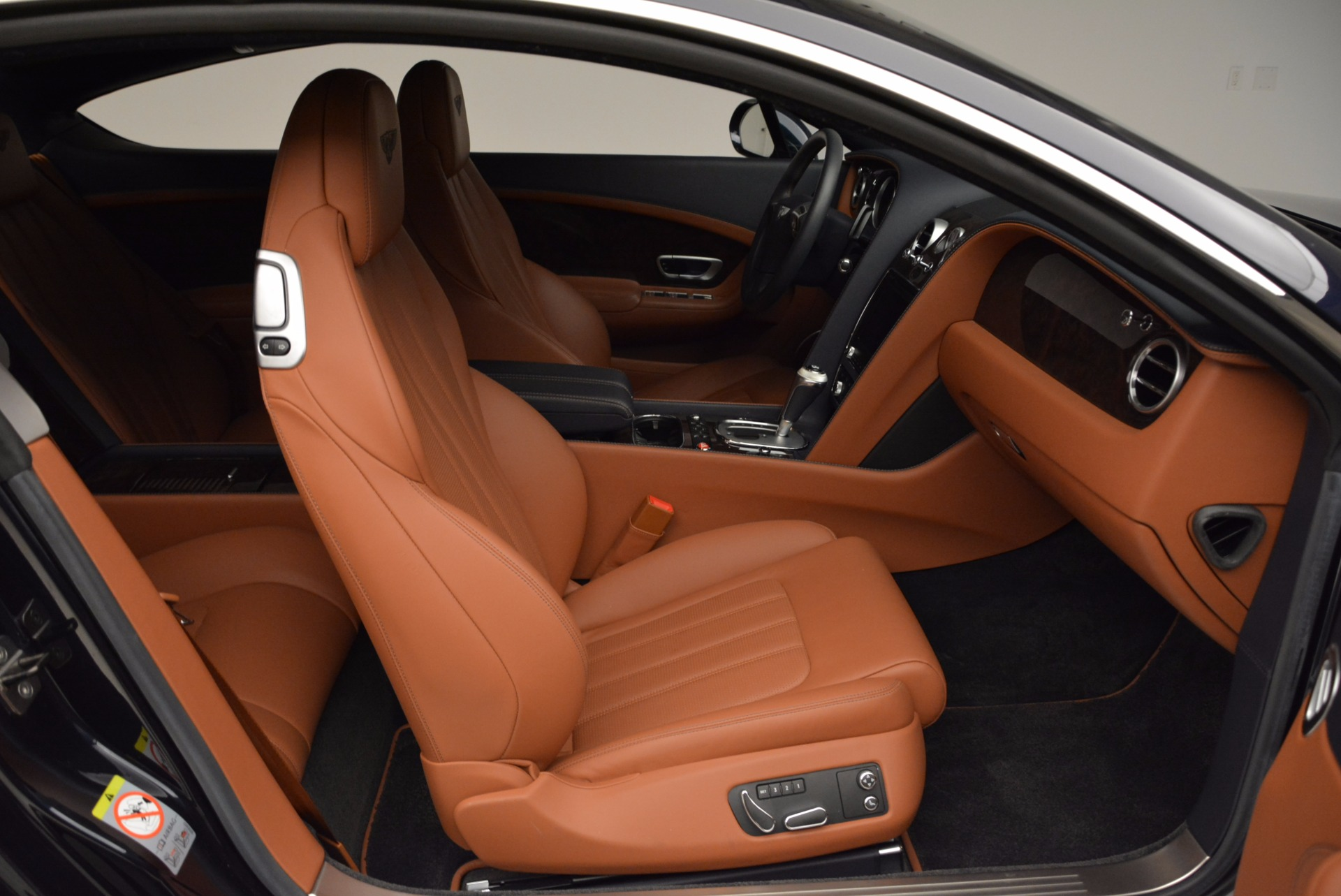 Used 2014 Bentley Continental GT W12 For Sale In Greenwich, CT 1845_p32