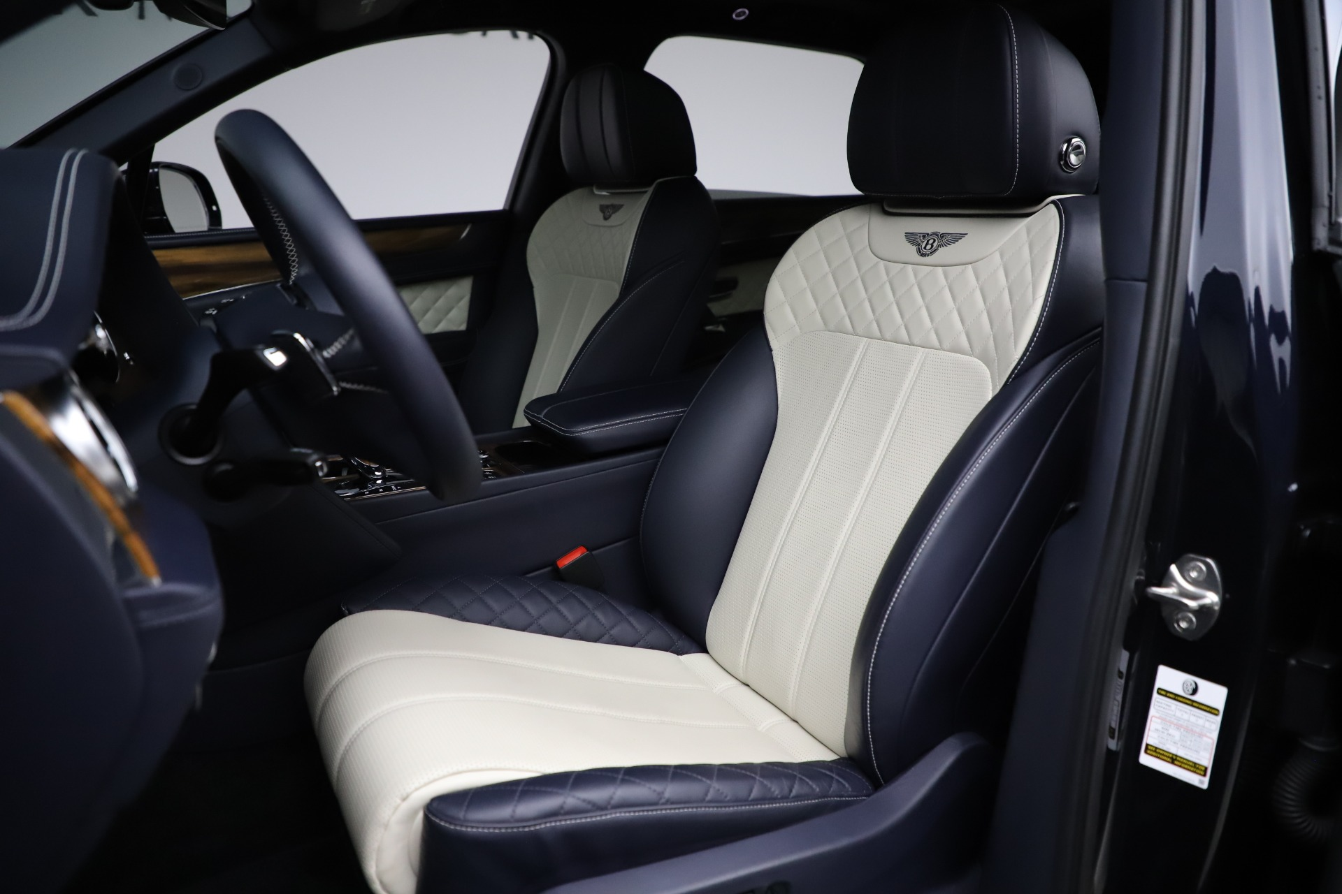 New 2018 Bentley Bentayga Signature For Sale In Greenwich, CT 1873_p20