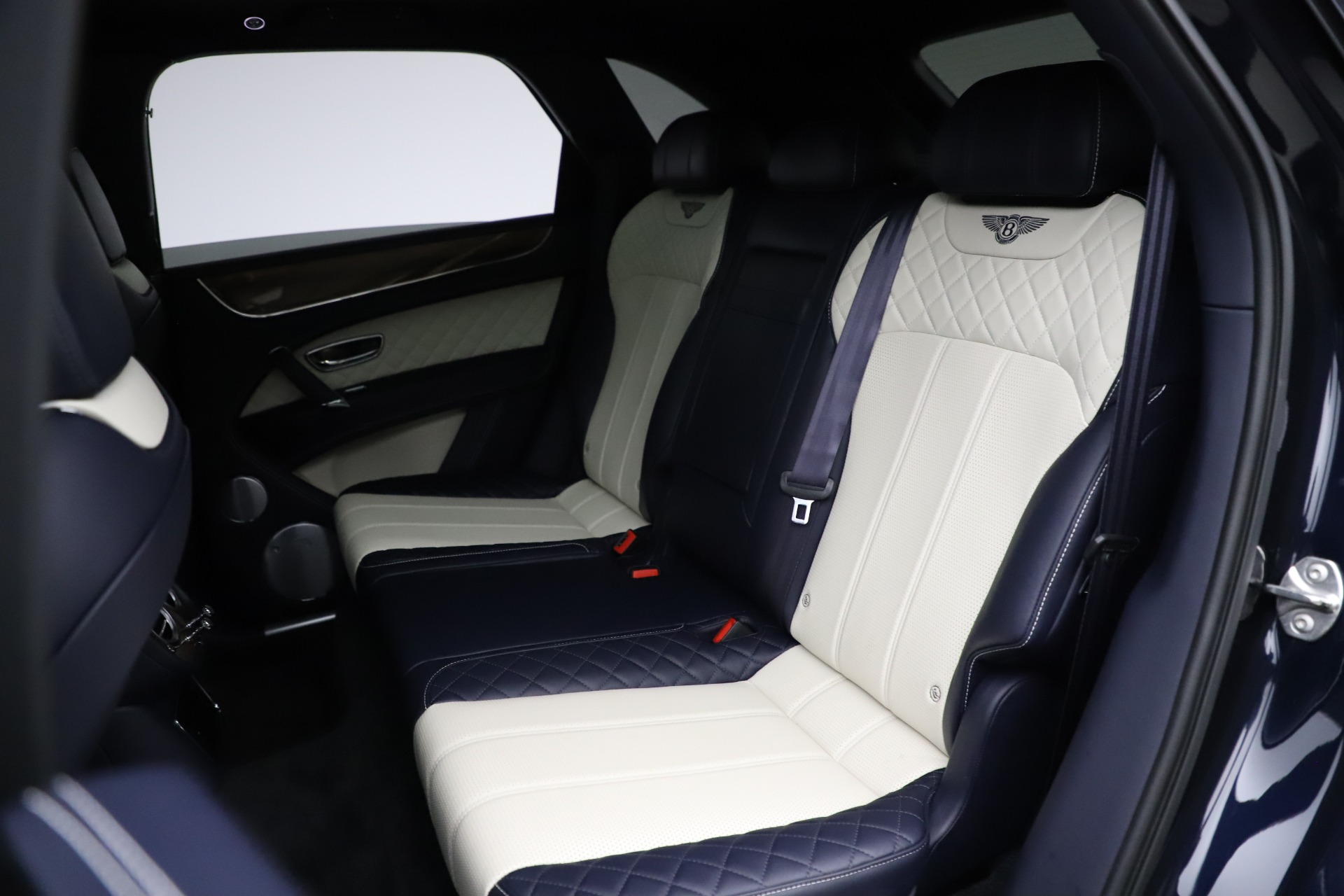 New 2018 Bentley Bentayga Signature For Sale In Greenwich, CT 1873_p24