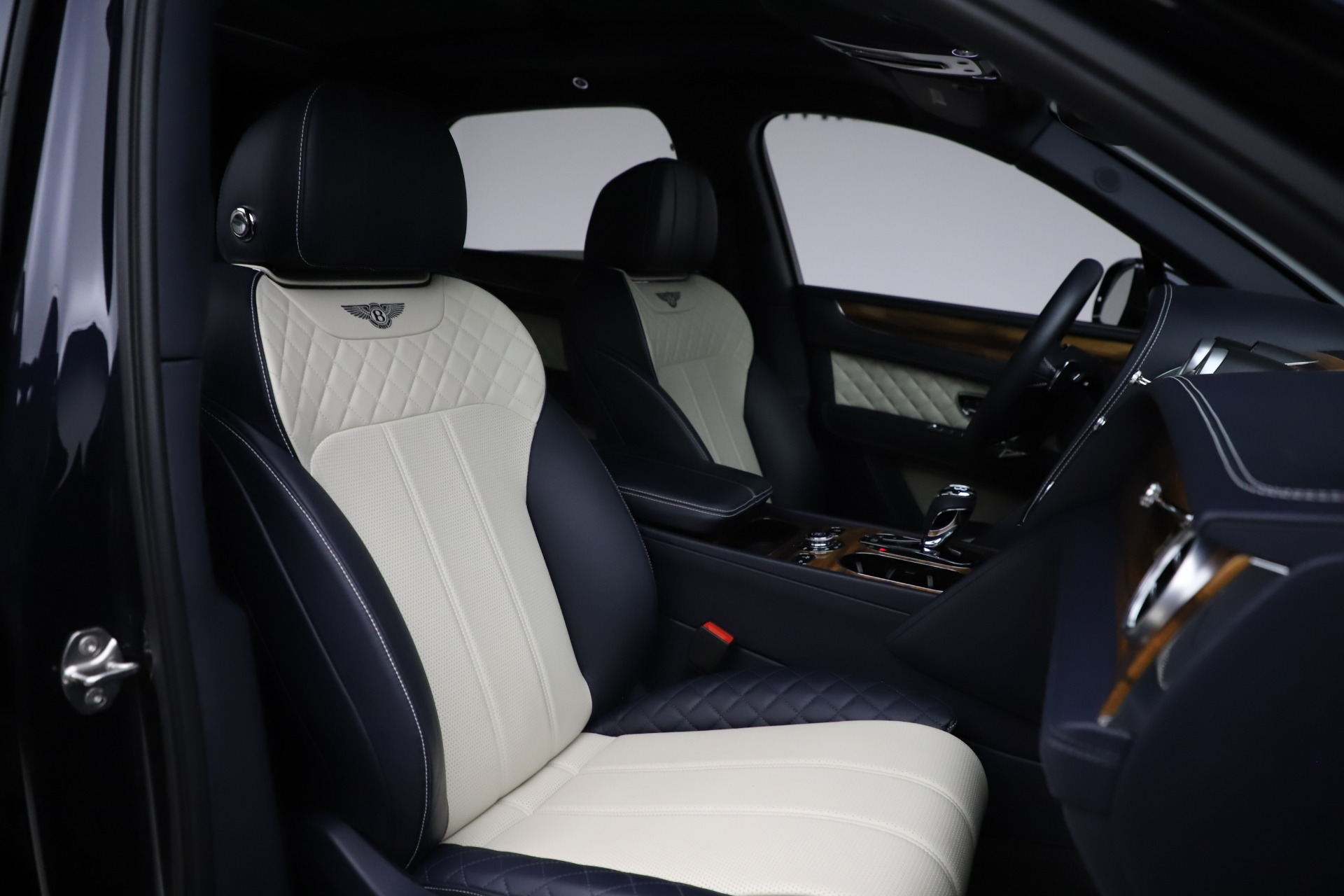 New 2018 Bentley Bentayga Signature For Sale In Greenwich, CT 1873_p28