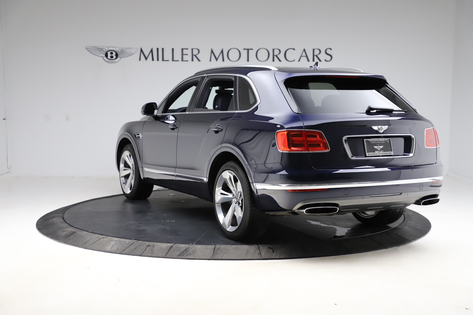 New 2018 Bentley Bentayga Signature For Sale In Greenwich, CT 1873_p6
