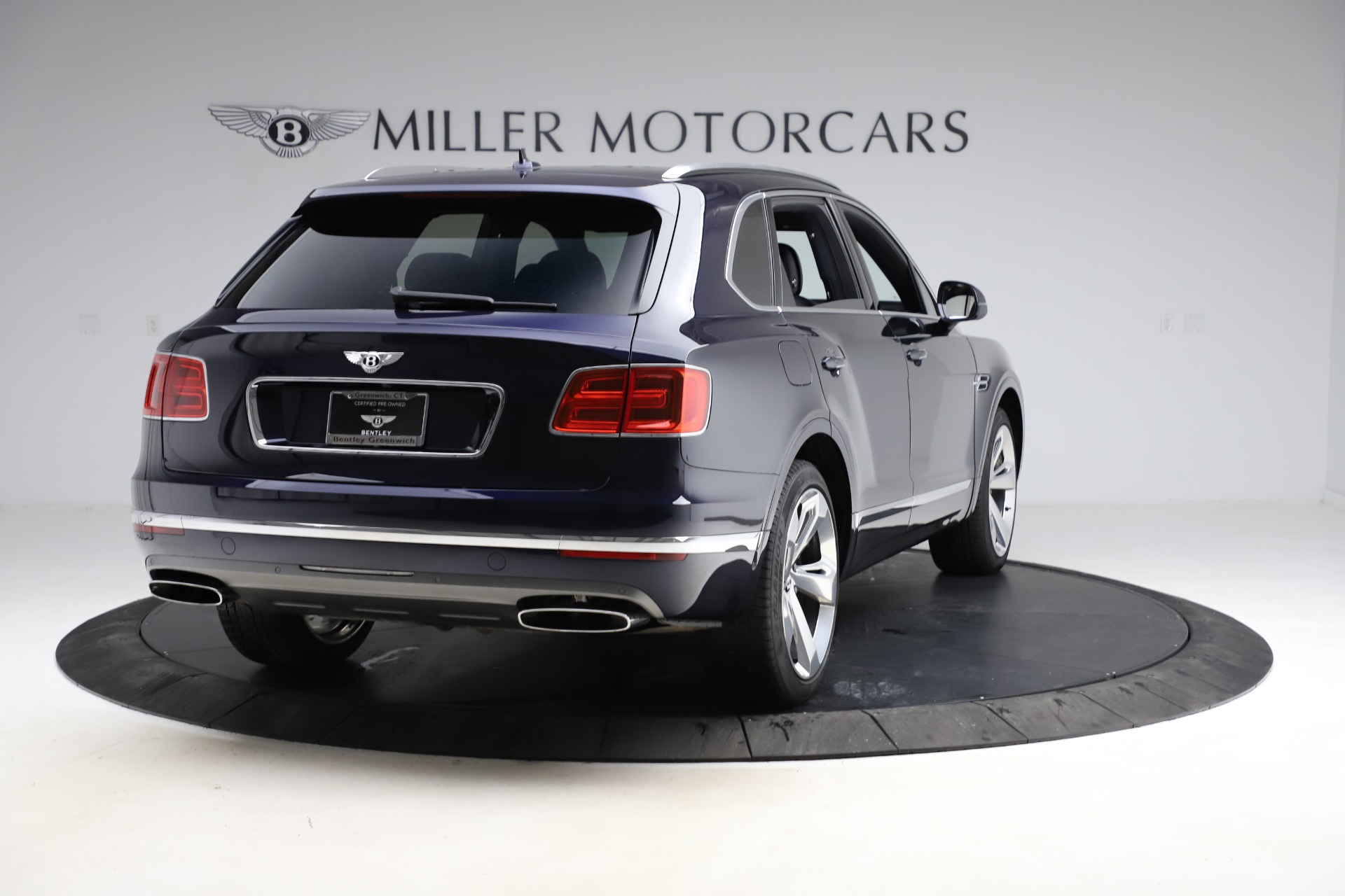 New 2018 Bentley Bentayga Signature For Sale In Greenwich, CT 1873_p8