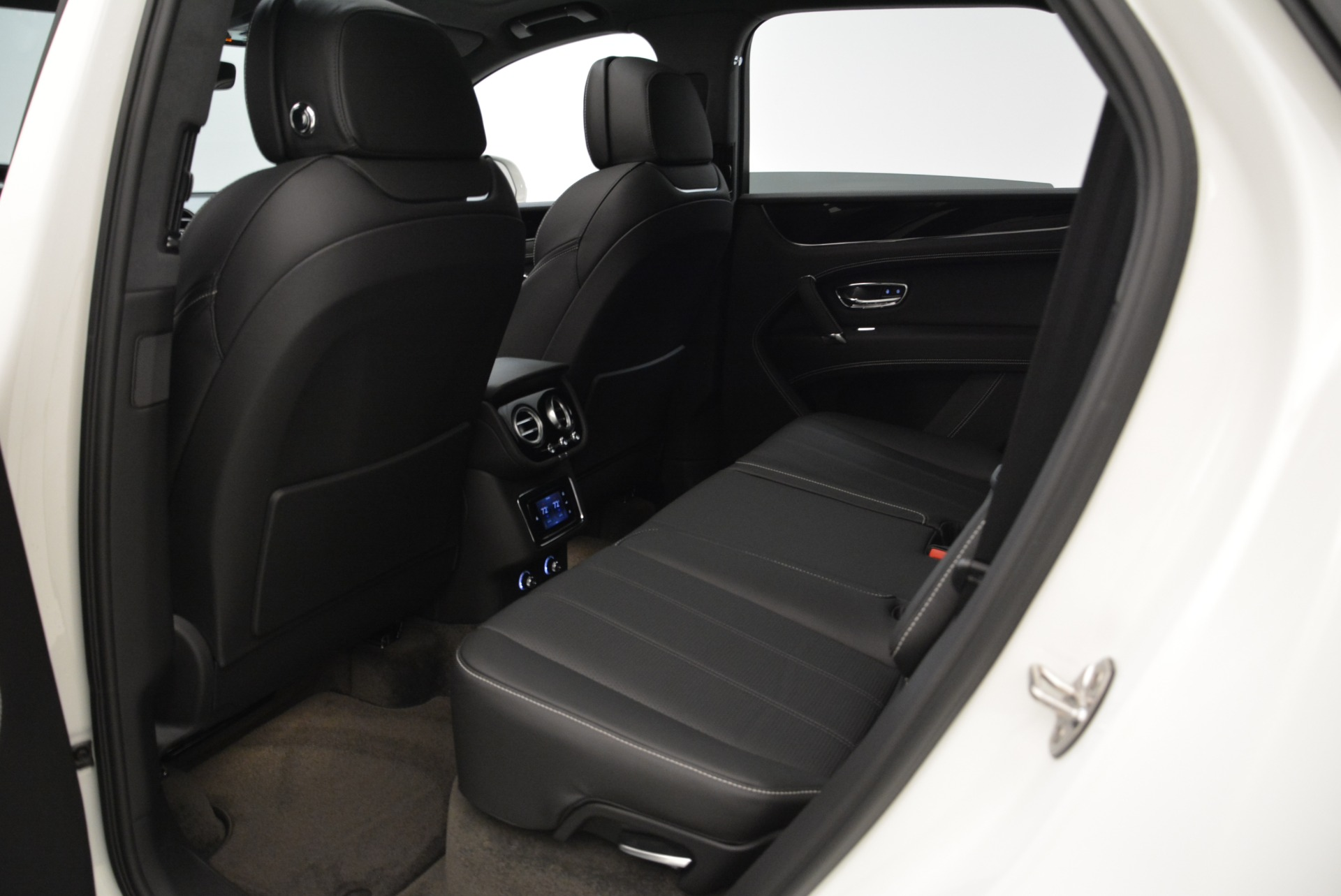 New 2018 Bentley Bentayga Black Edition For Sale In Greenwich, CT 1874_p33