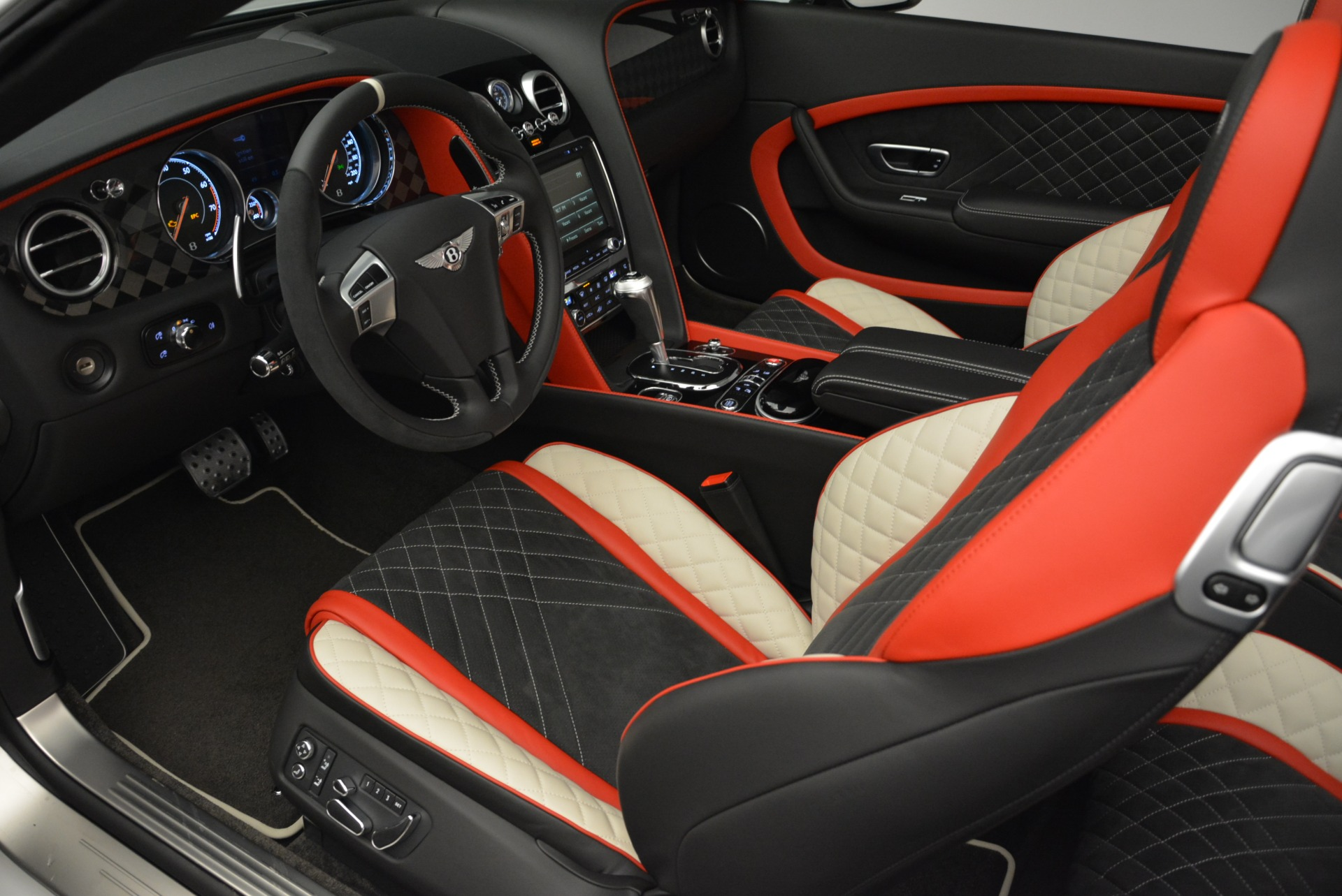Used 2018 Bentley Continental GT Supersports Convertible For Sale In Greenwich, CT 1875_p26