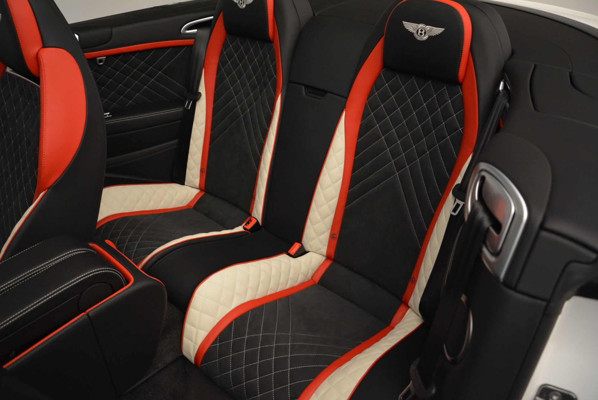 Used 2018 Bentley Continental GT Supersports Convertible For Sale In Greenwich, CT 1875_p31