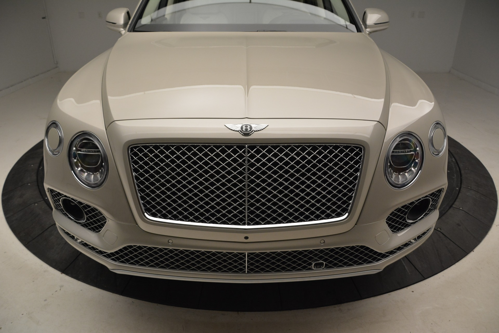 New 2018 Bentley Bentayga Signature For Sale In Greenwich, CT 1876_p13
