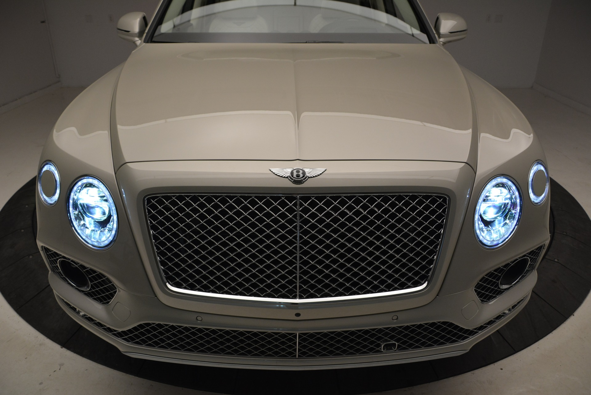 New 2018 Bentley Bentayga Signature For Sale In Greenwich, CT 1876_p14