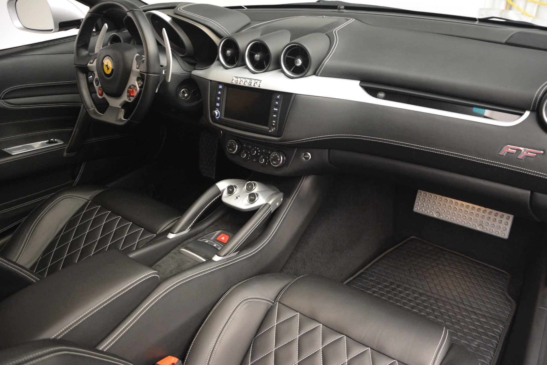 Used 2012 Ferrari FF  For Sale In Greenwich, CT 1902_p17