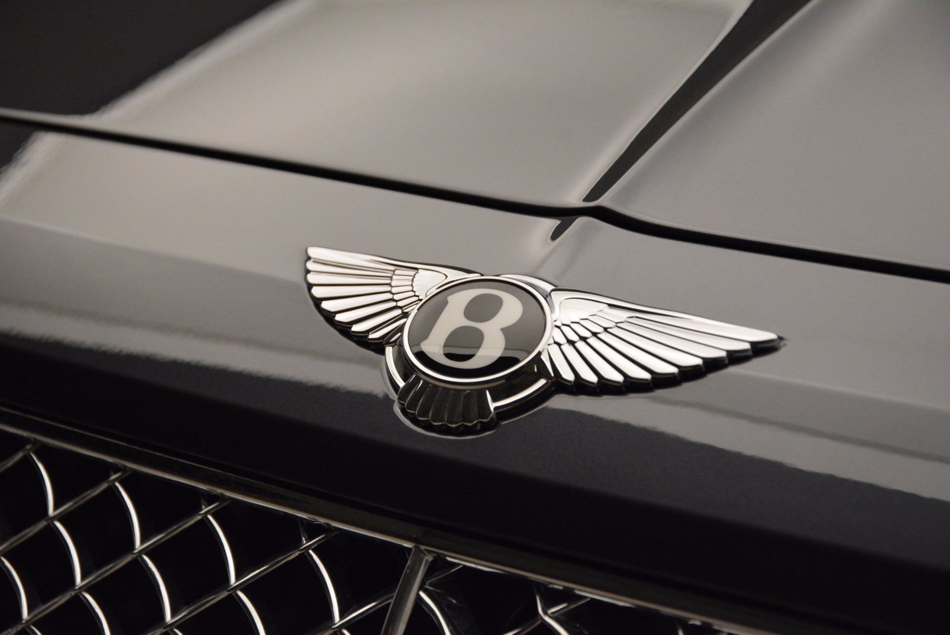 Used 2018 Bentley Bentayga W12 Signature For Sale In Greenwich, CT 1903_p16