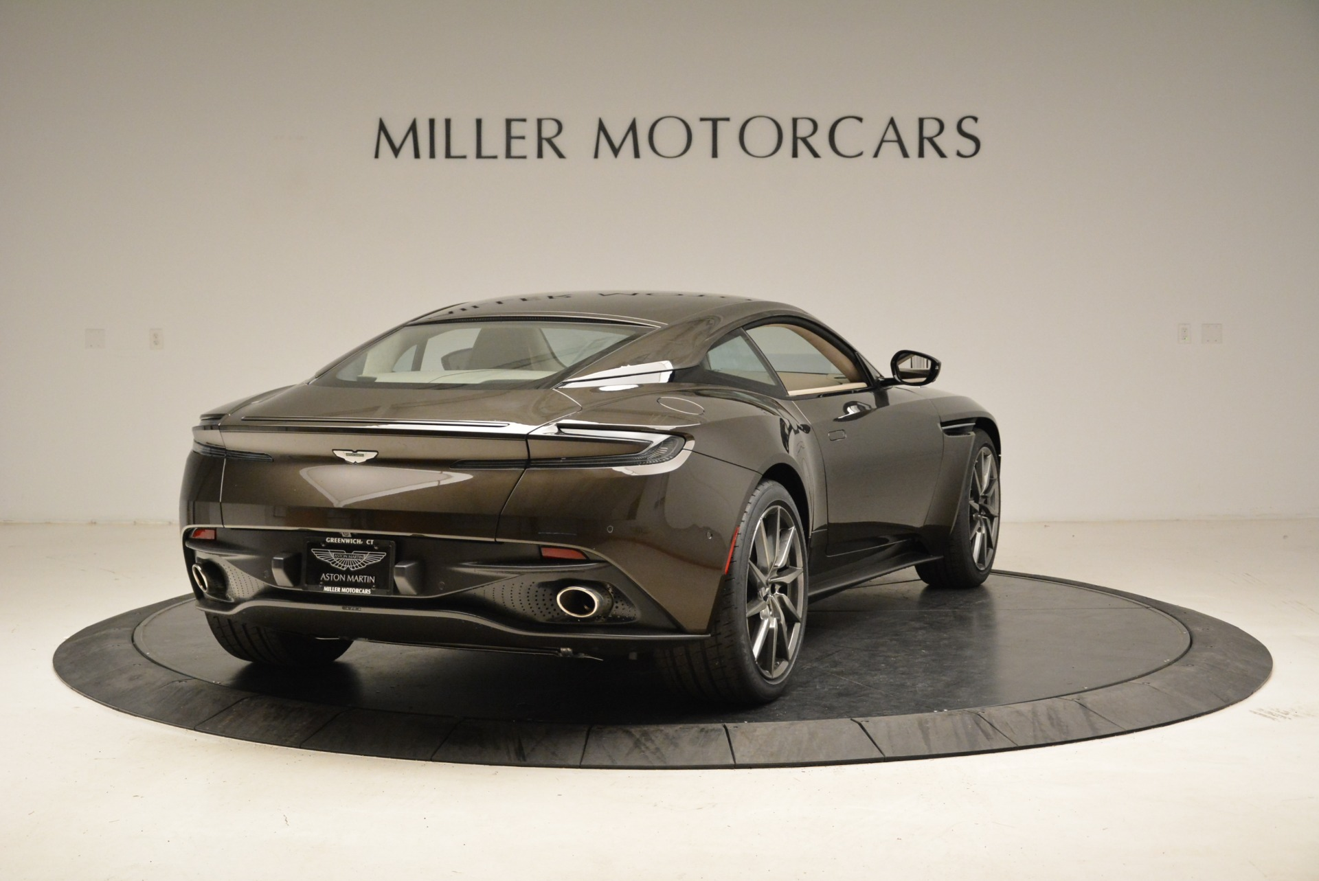 New 2018 Aston Martin DB11 V12 For Sale In Greenwich, CT 1904_p7