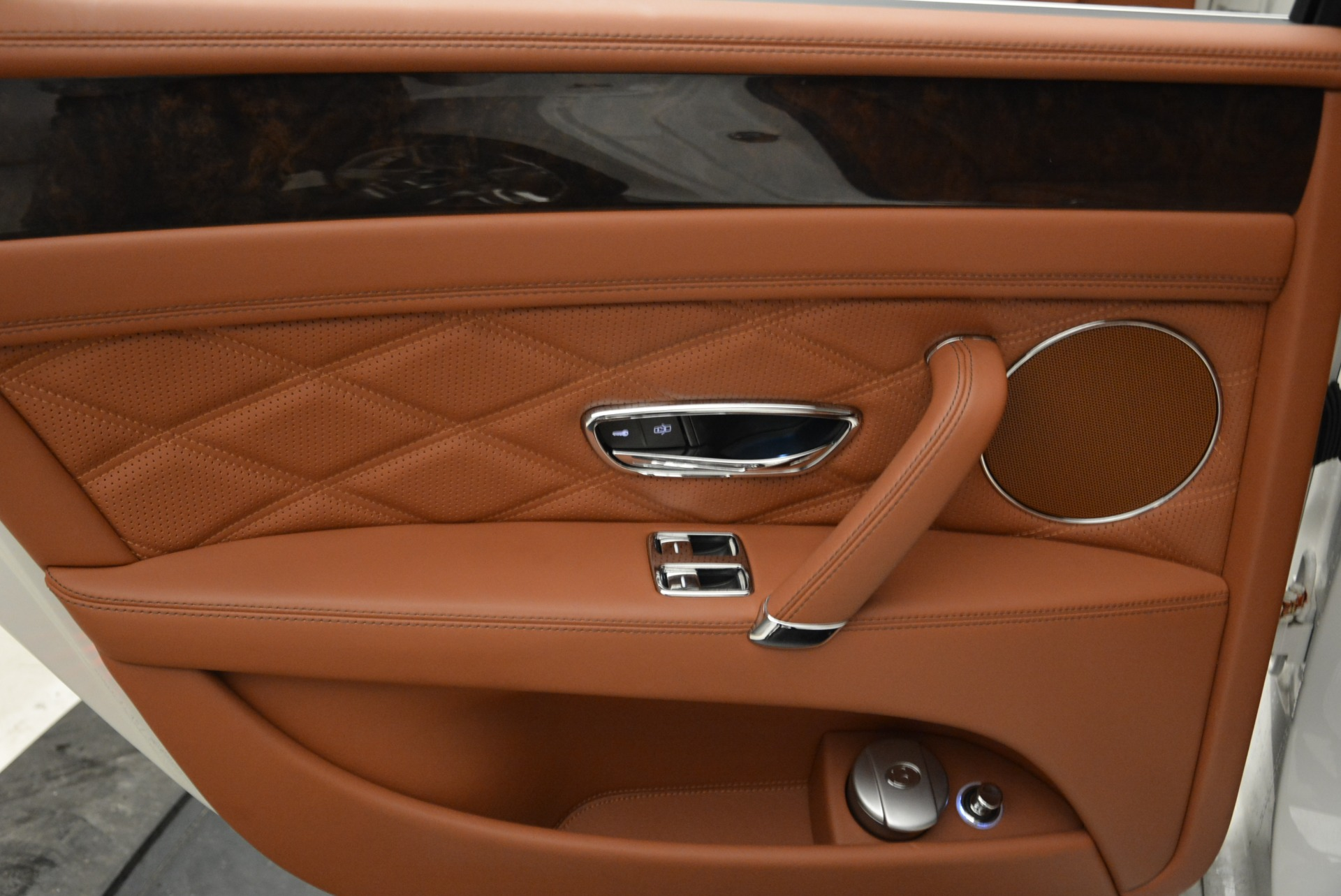 Used 2014 Bentley Flying Spur W12 For Sale In Greenwich, CT 1906_p26