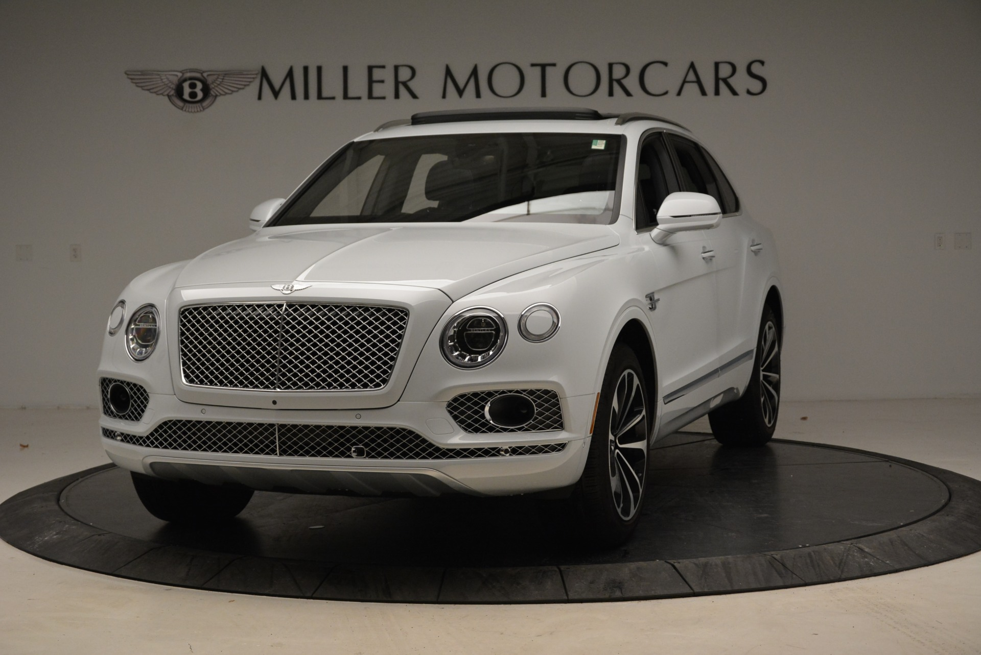 Used 2017 Bentley Bentayga  For Sale In Greenwich, CT 1907_main