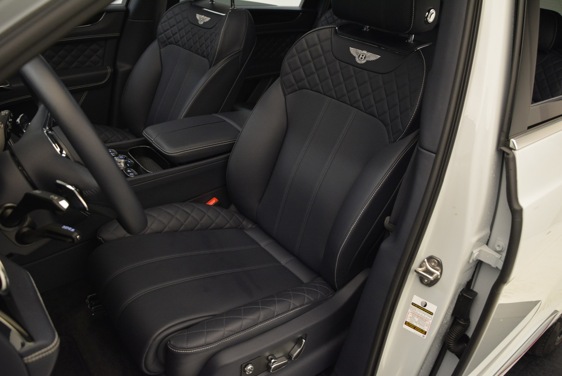 Used 2017 Bentley Bentayga  For Sale In Greenwich, CT 1907_p21