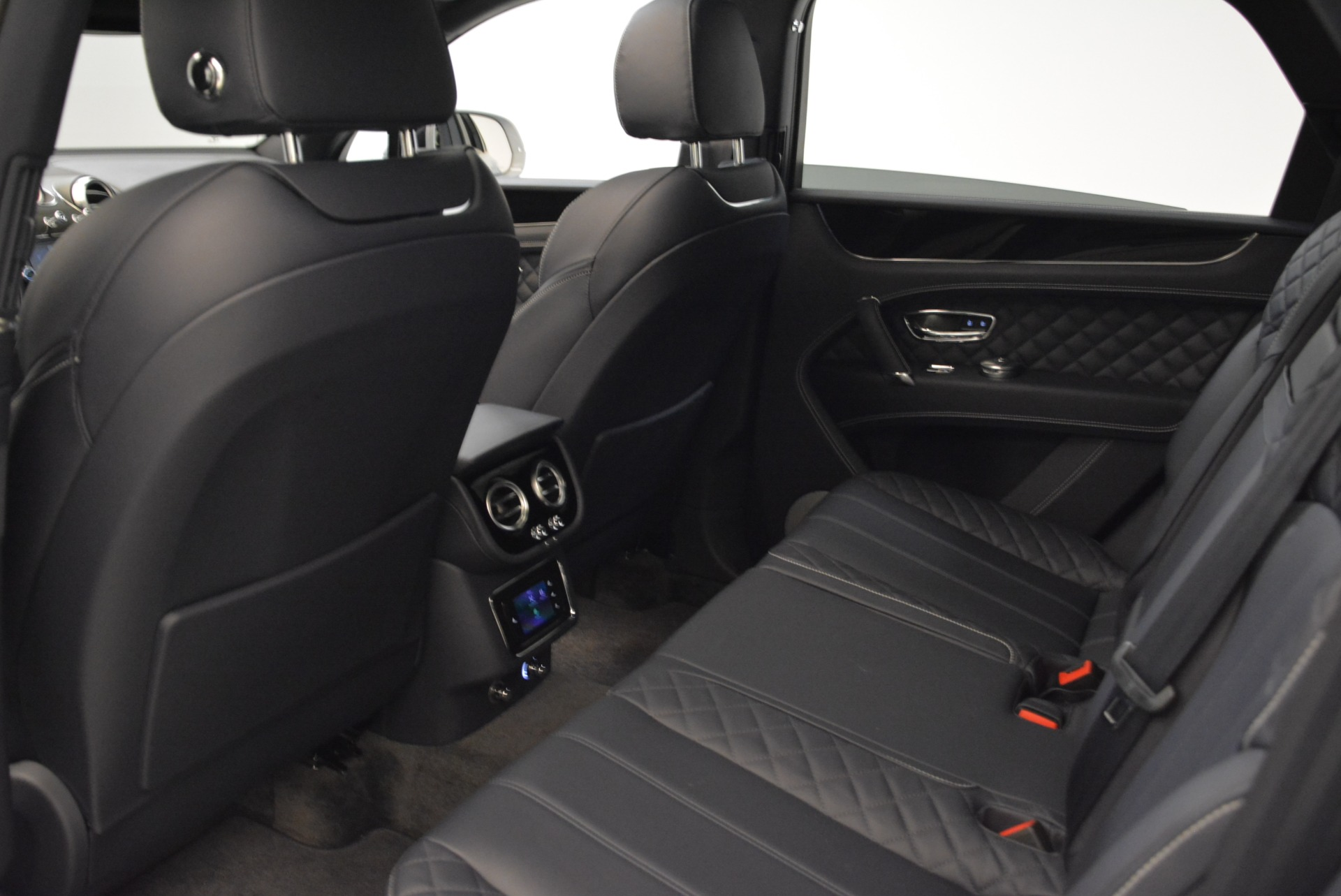 Used 2017 Bentley Bentayga  For Sale In Greenwich, CT 1907_p24