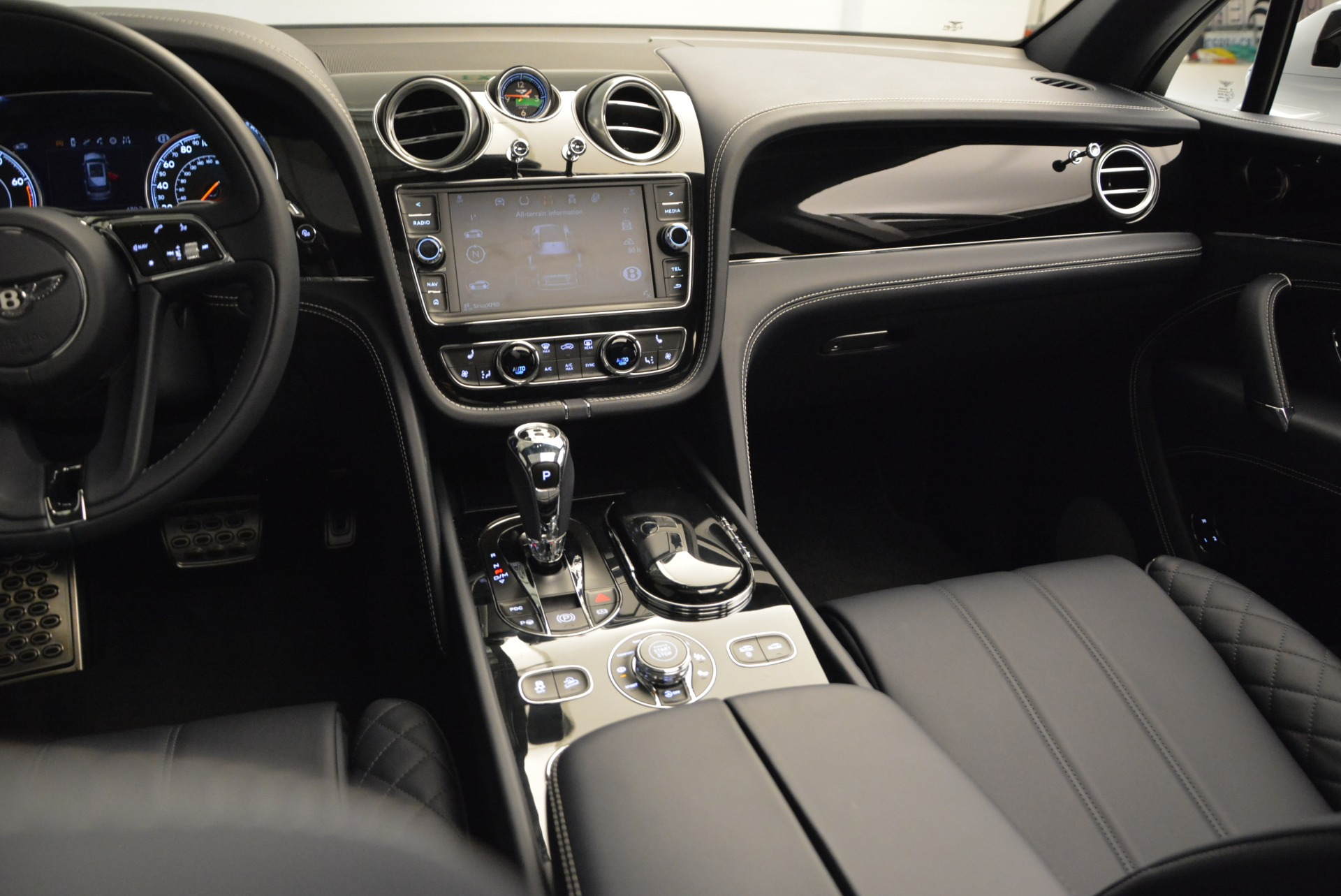 Used 2017 Bentley Bentayga  For Sale In Greenwich, CT 1907_p35