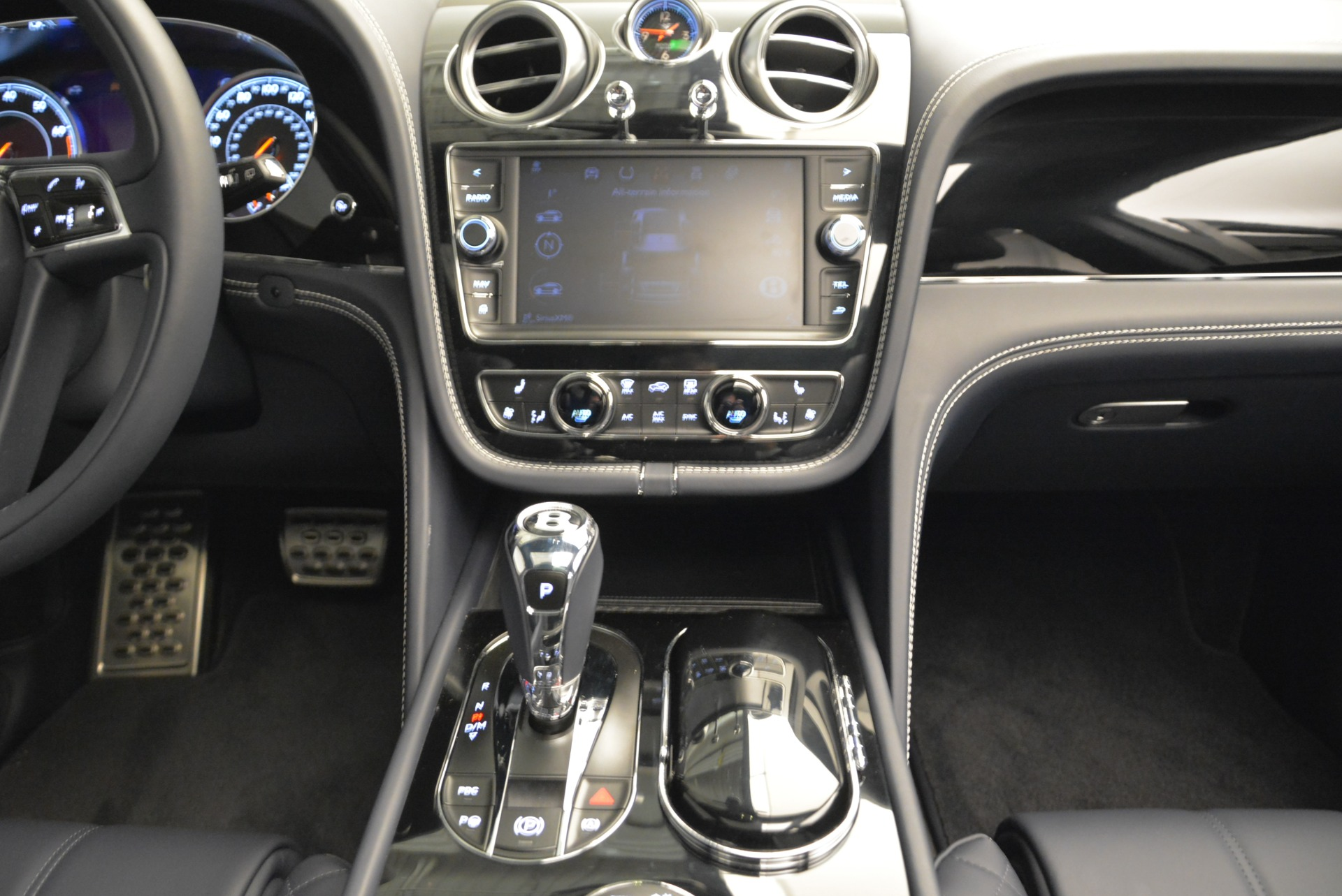 Used 2017 Bentley Bentayga  For Sale In Greenwich, CT 1907_p36