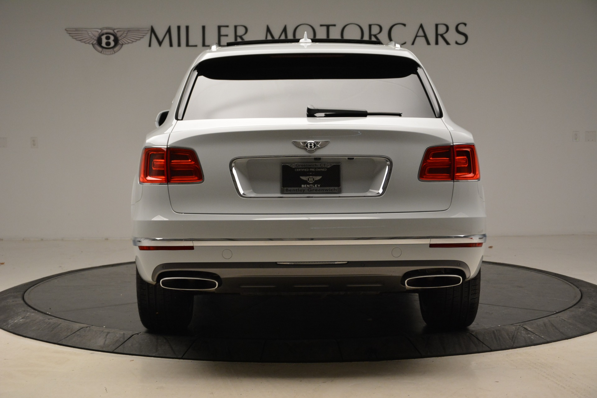 Used 2017 Bentley Bentayga  For Sale In Greenwich, CT 1907_p6