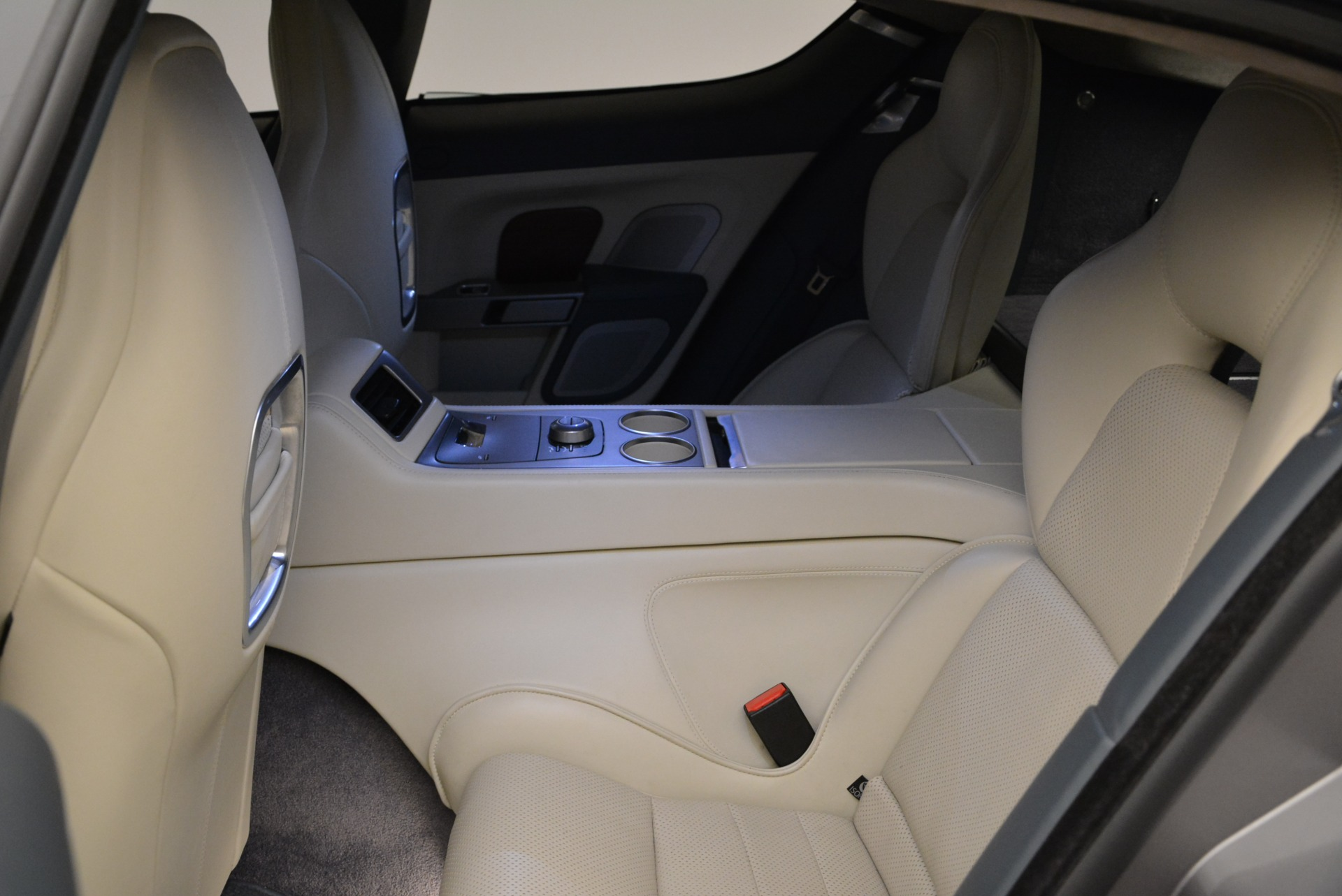 Used 2014 Aston Martin Rapide S  For Sale In Greenwich, CT 1910_p17