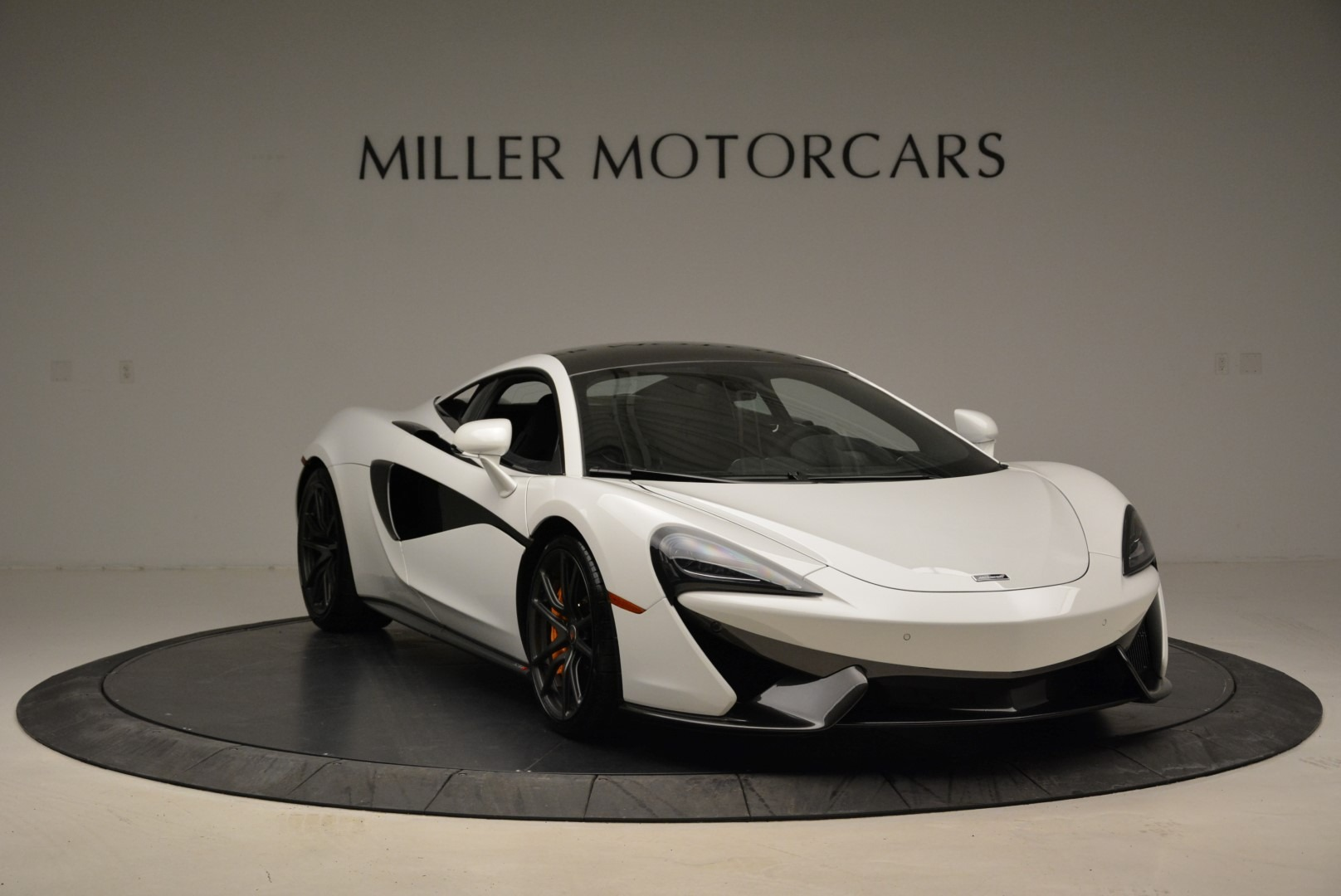 Used 2017 McLaren 570S  For Sale In Greenwich, CT 1914_p11