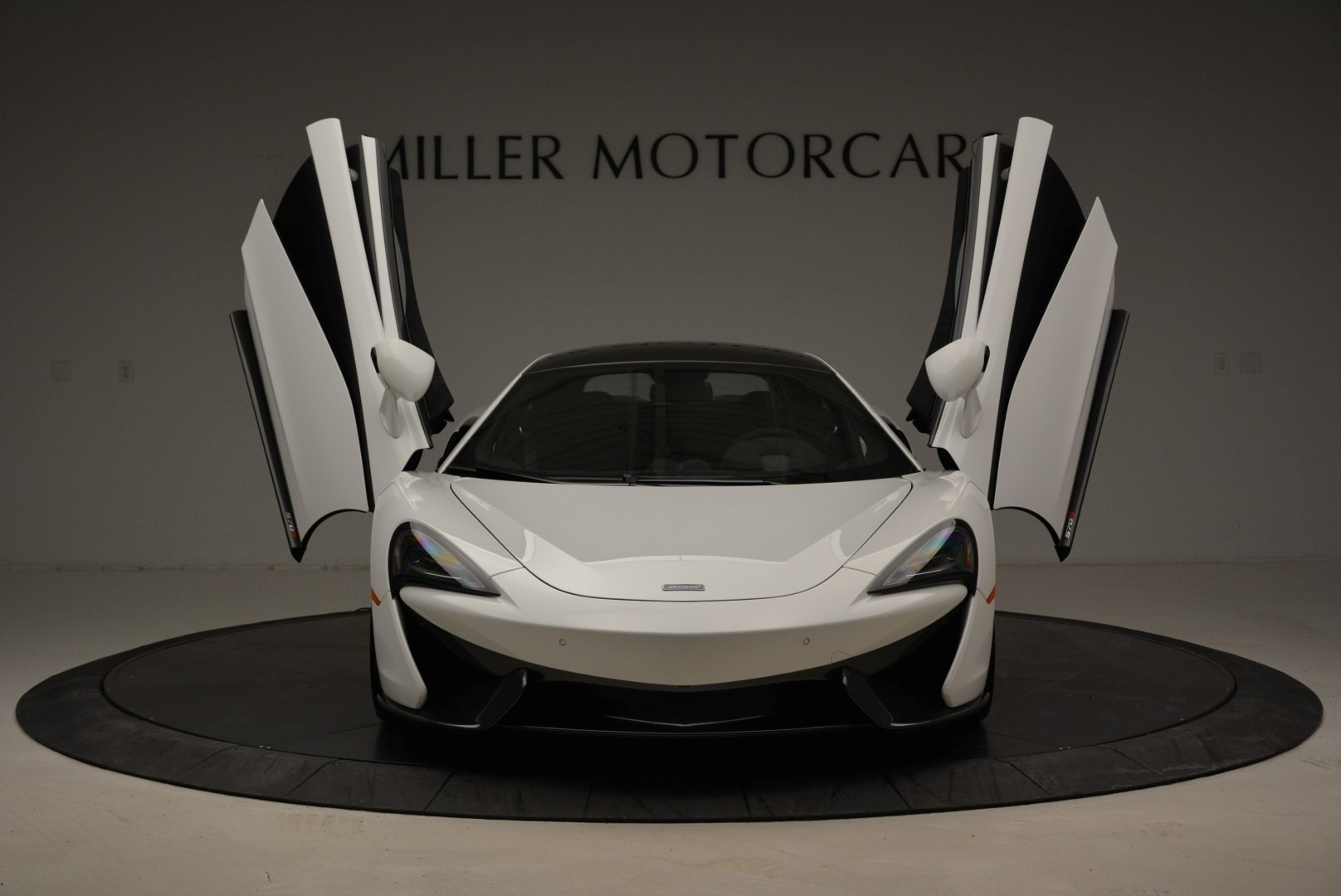 Used 2017 McLaren 570S  For Sale In Greenwich, CT 1914_p13