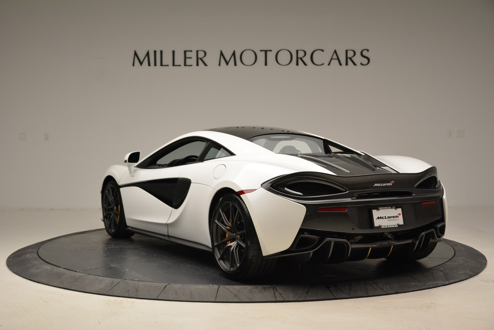 Used 2017 McLaren 570S  For Sale In Greenwich, CT 1914_p5