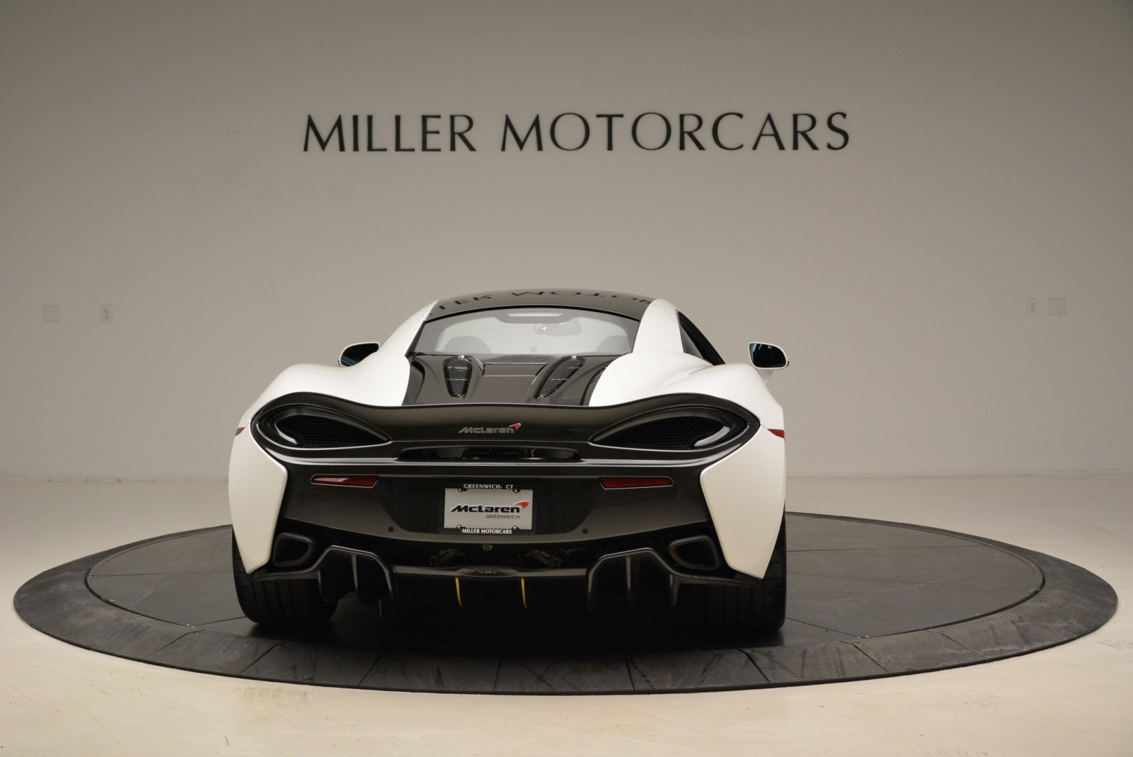 Used 2017 McLaren 570S  For Sale In Greenwich, CT 1914_p6