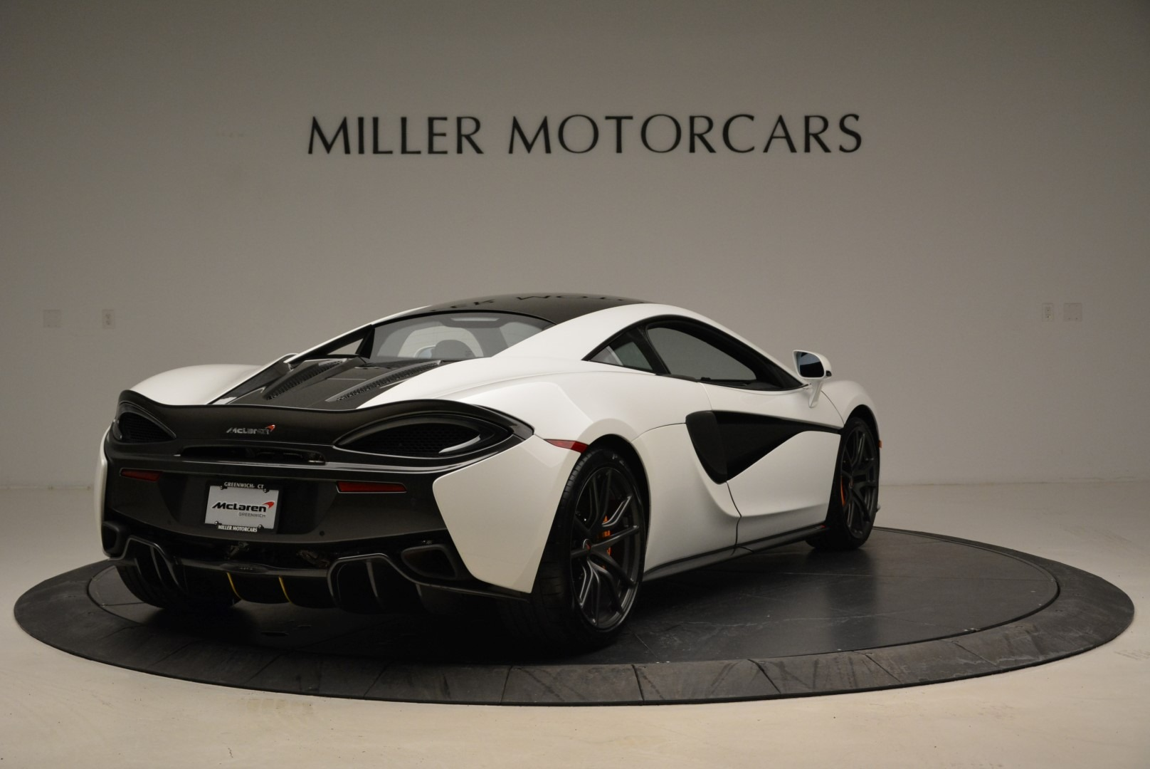 Used 2017 McLaren 570S  For Sale In Greenwich, CT 1914_p7