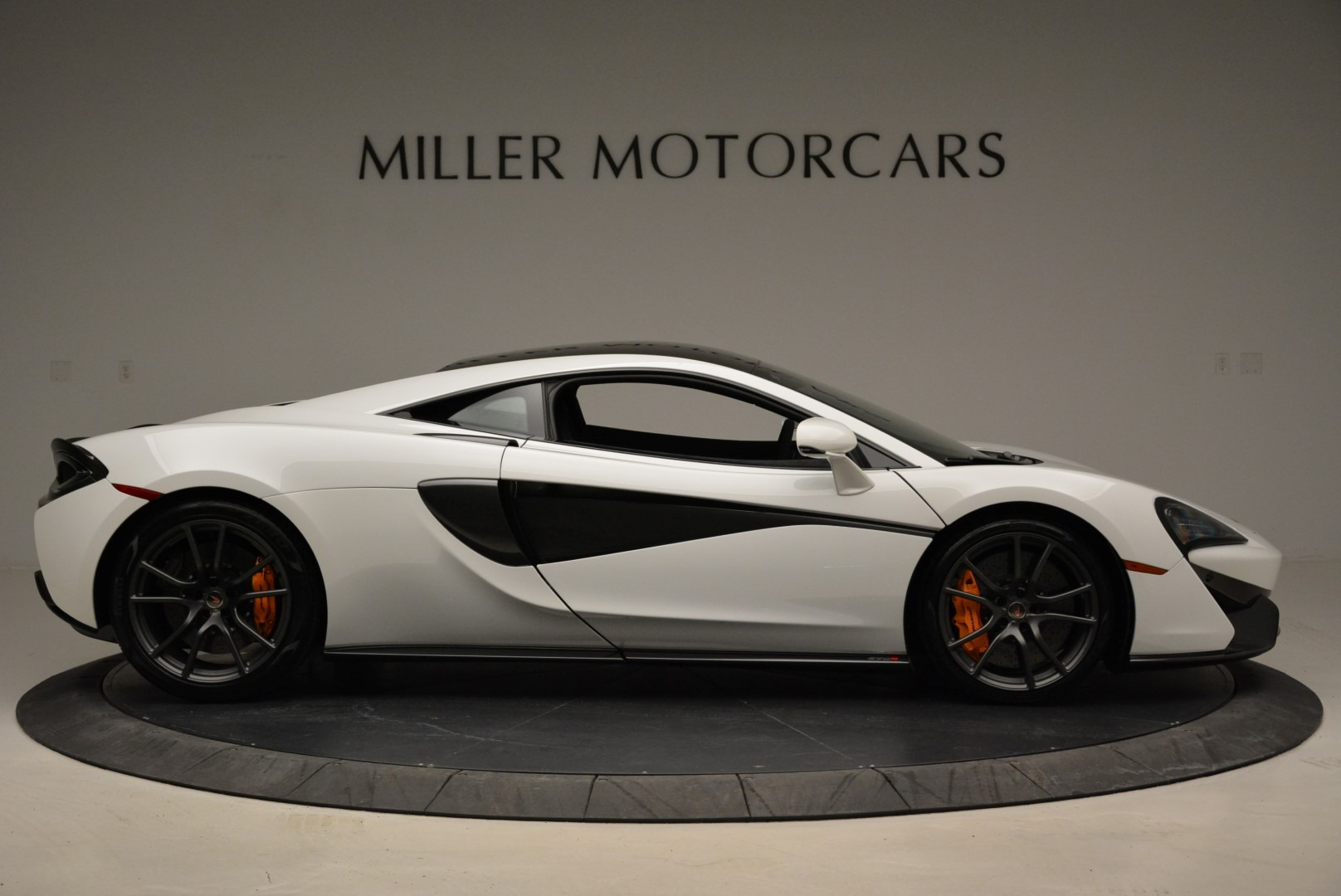 Used 2017 McLaren 570S  For Sale In Greenwich, CT 1914_p9