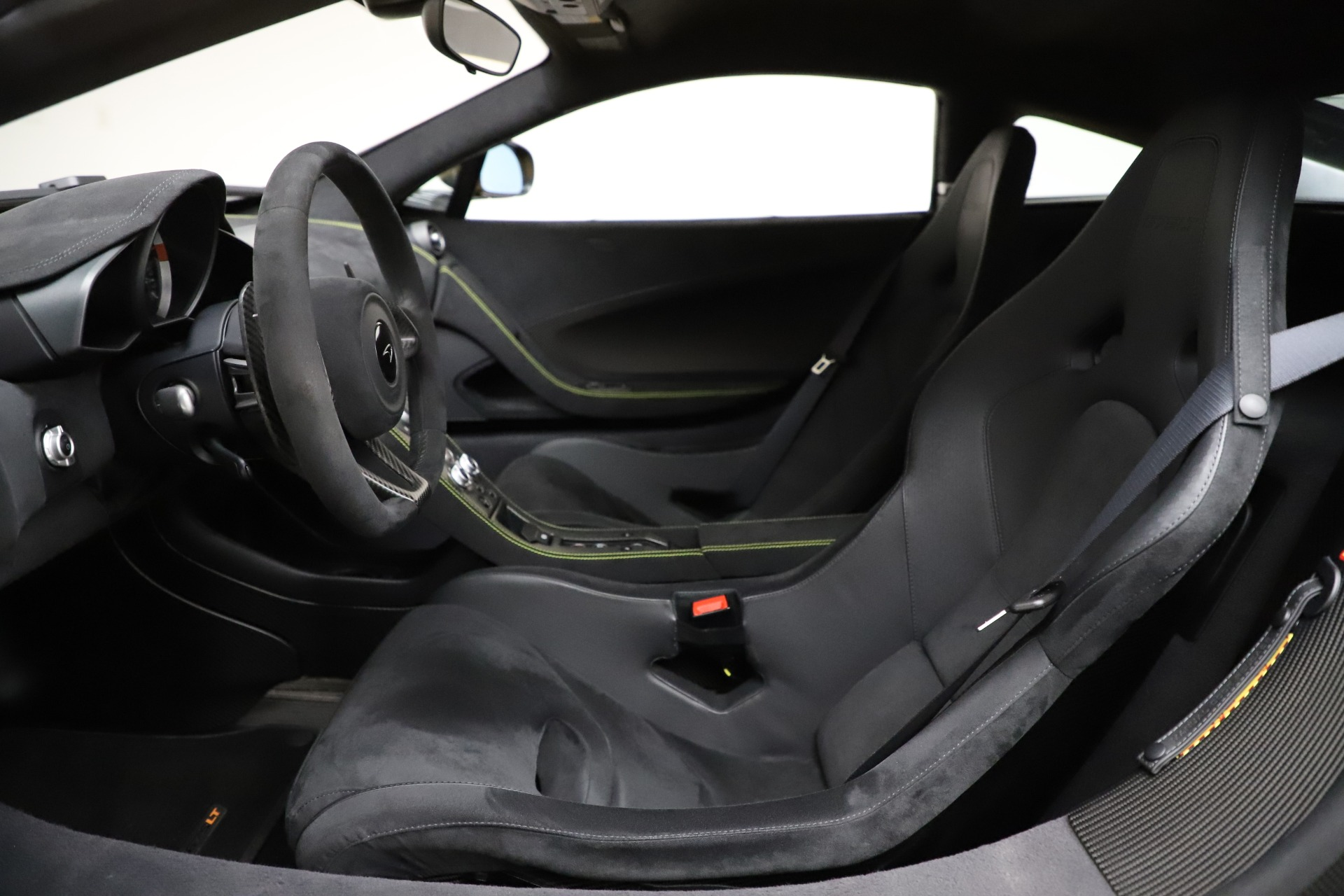 Used 2016 McLaren 675LT Coupe For Sale In Greenwich, CT 1916_p16