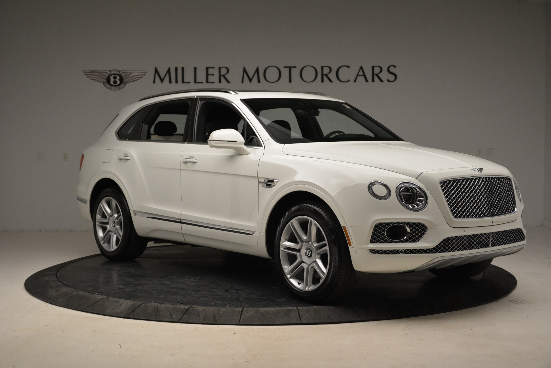 Used 2018 Bentley Bentayga Activity Edition For Sale In Greenwich, CT 1922_p10
