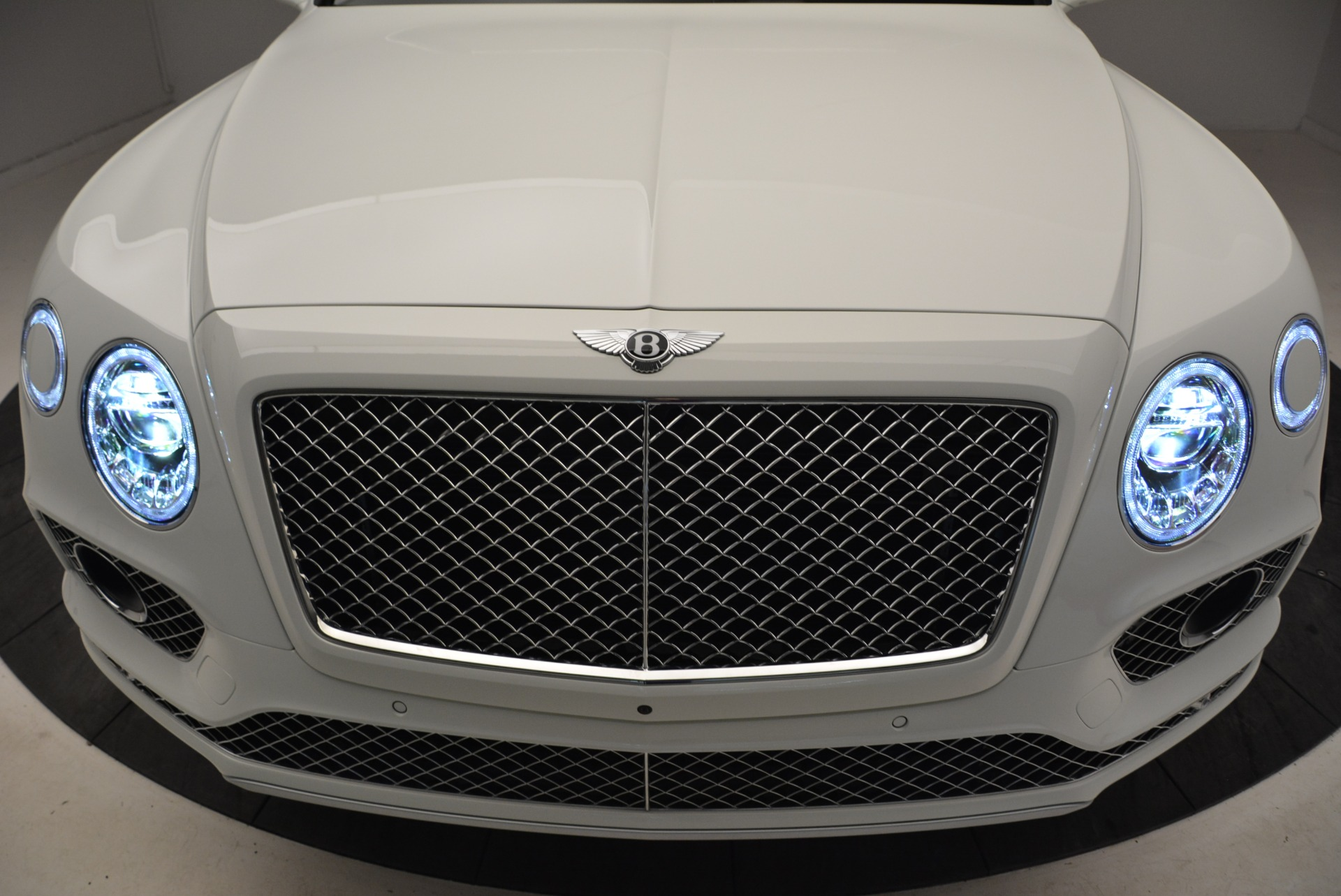 Used 2018 Bentley Bentayga Activity Edition For Sale In Greenwich, CT 1922_p14