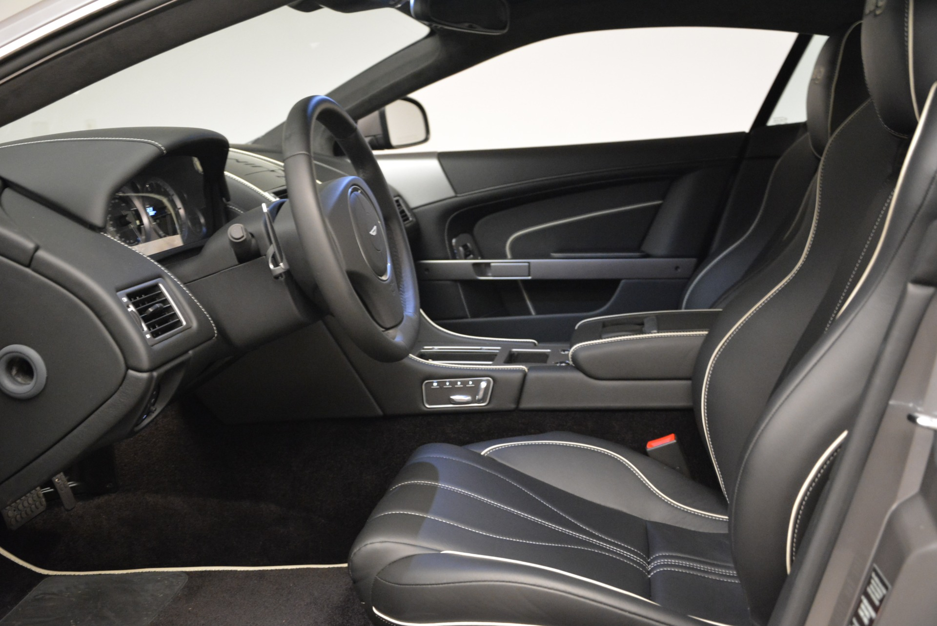 Used 2015 Aston Martin DB9  For Sale In Greenwich, CT 1951_p13